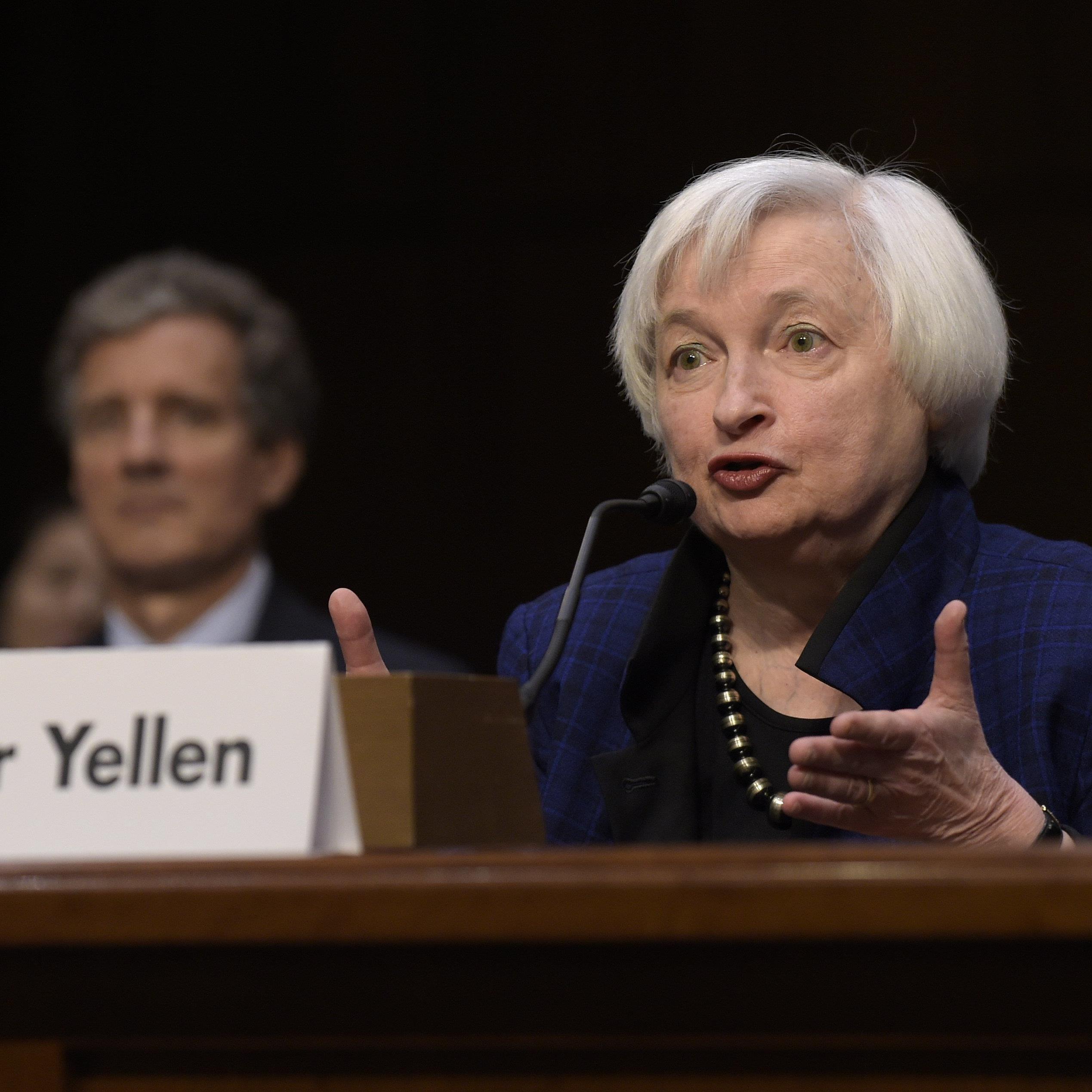 Die US-Notenbank hat erstmal seit einem Jahr den Leitzins leicht angehoben.