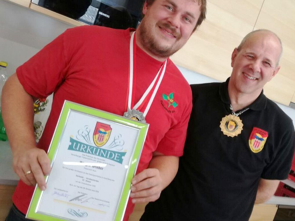 Zunftmeister Jürgen Winder mit Landeselferrat Christof Huber.