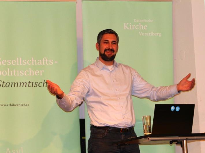 Über die Tragweite von gesammelten Informationen in einer digitalisierten Welt informierte Mag. Simon Bertsch im Kolpinghaus.