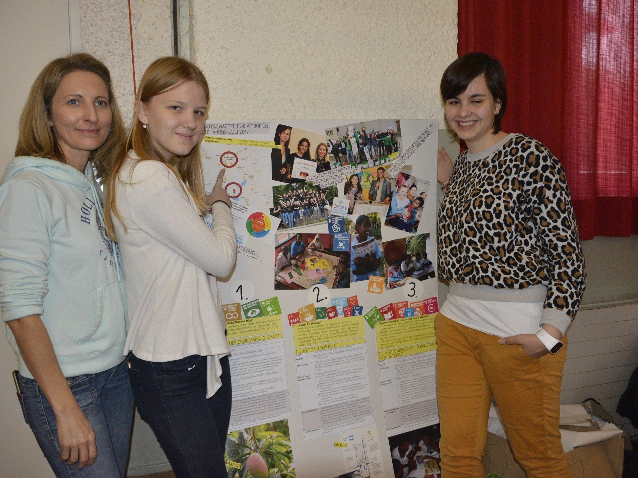 Auf Nikolaus- und Weihnachtsmärkten stellen die Jugendbotschafterinnen das Projekt vor.