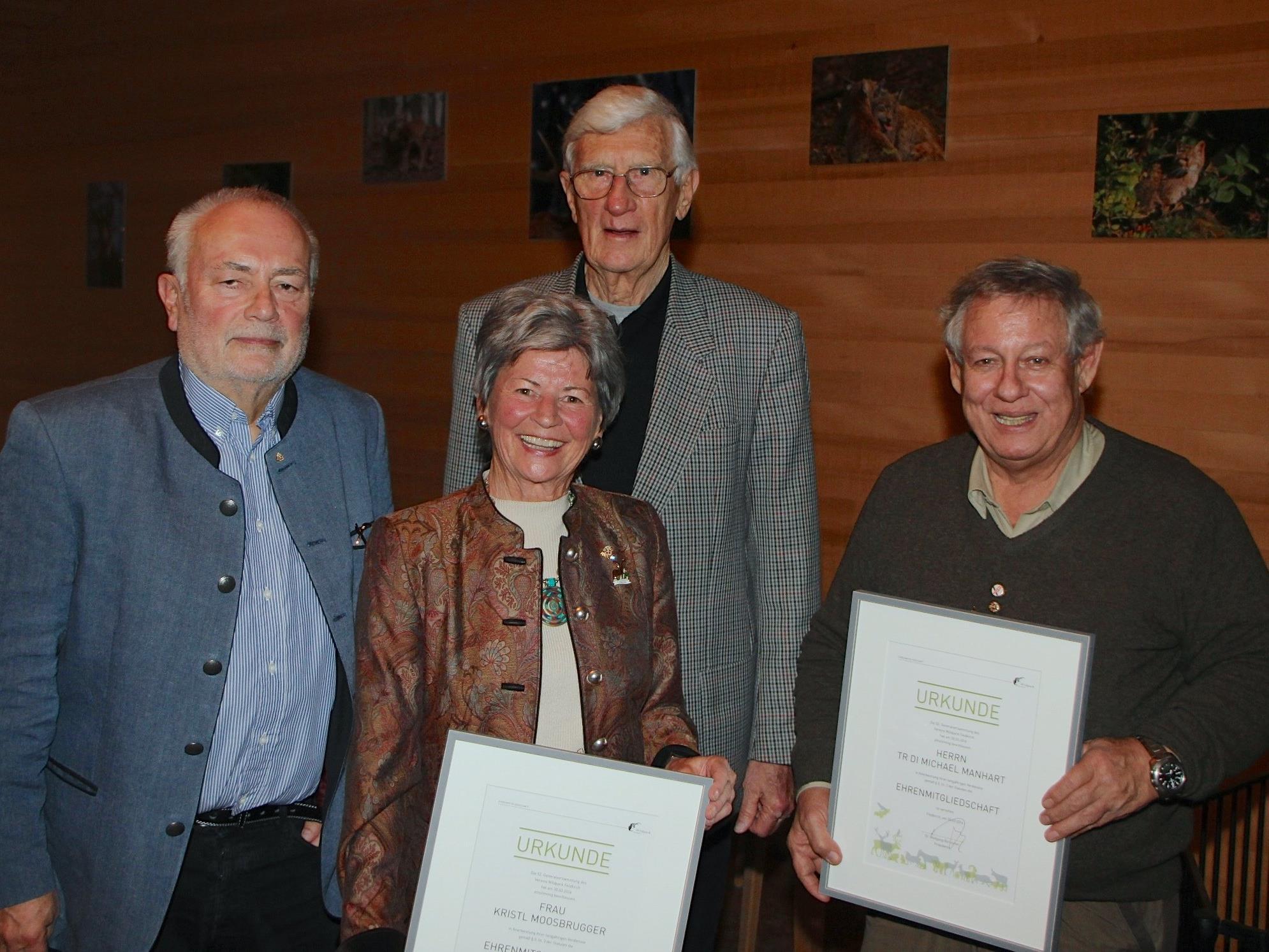 Präsident Dr. Wolfgang Burtscher mit den Ehrenmitgliedern Kristl Moosbrugger, DI Michael Manhart und Alt-Bürgermeister Dr. Heinz Bilz.