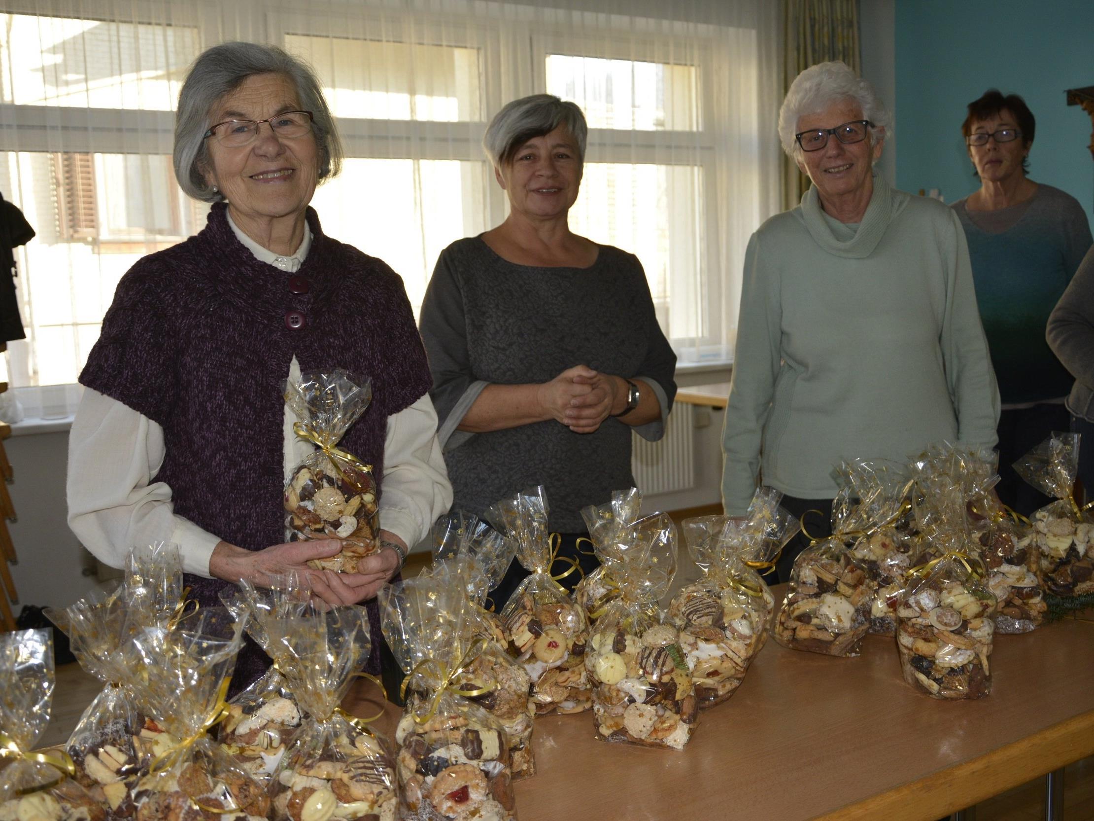 Frauen der Hatler Pfarre und Missionsrunde waren wieder fleißig im Einsatz für die gute Sache.