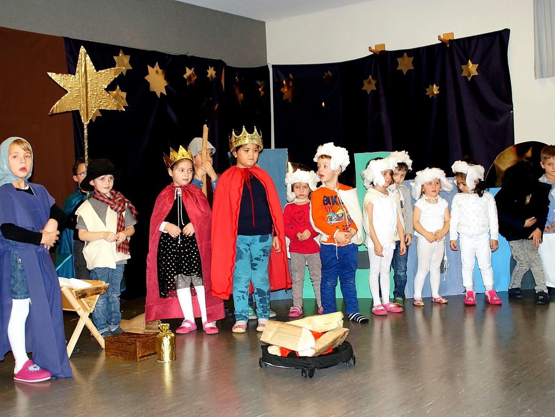 """Mit der Aufführung der """"Weihnachtsgeschichte"""" machten die Kinder vom Kindergarten Gartenstraße ihren Eltern, Großeltern und Geschwistern ein ganz besonderes Weihnachtsgeschenk."""