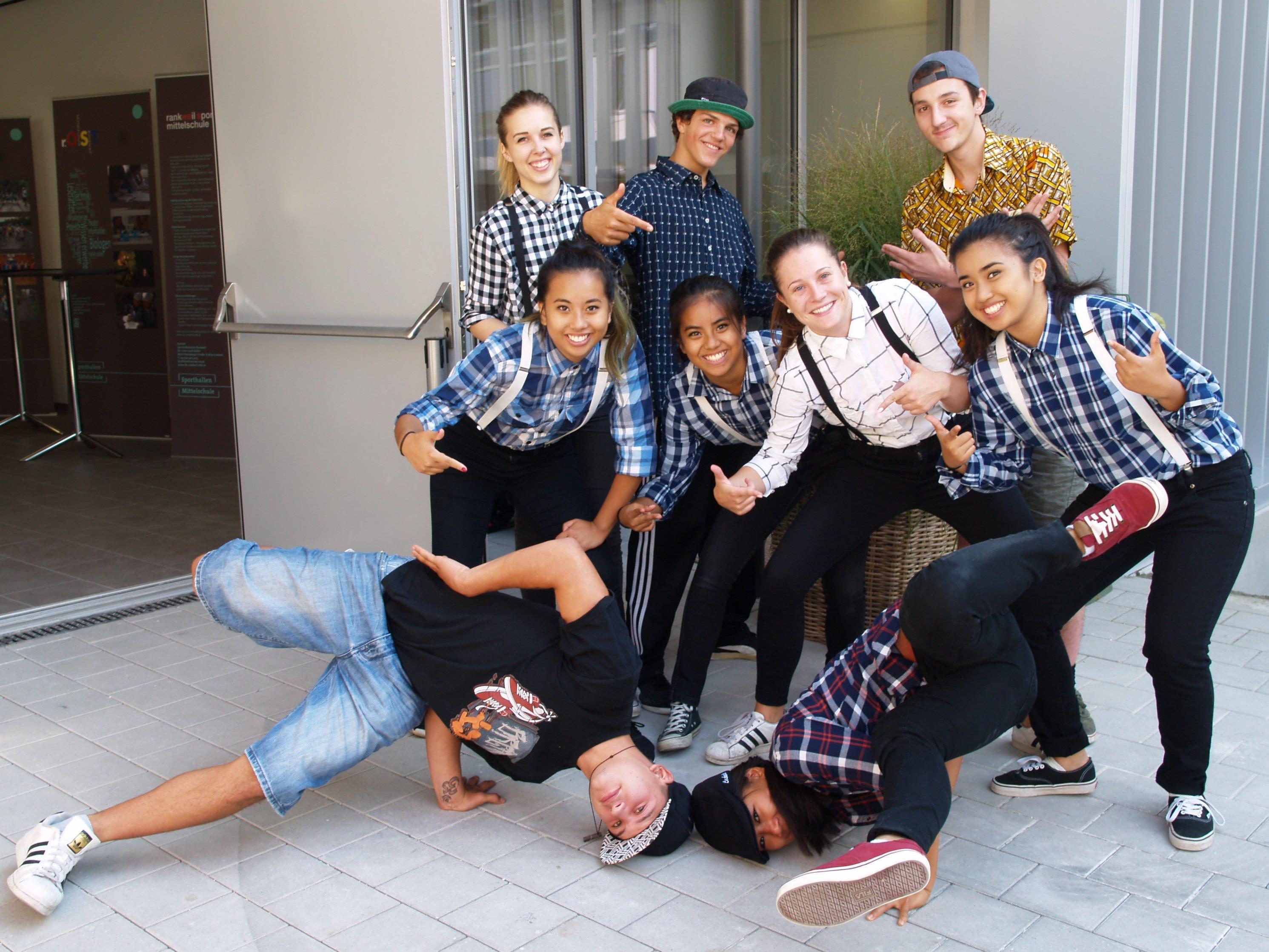 Auch Mitglieder des Kinder- und Jugendtanzvereins One Step Ahead (OSA) sind bei der Organisation des Risk Battle Austria 2016 beteiligt.