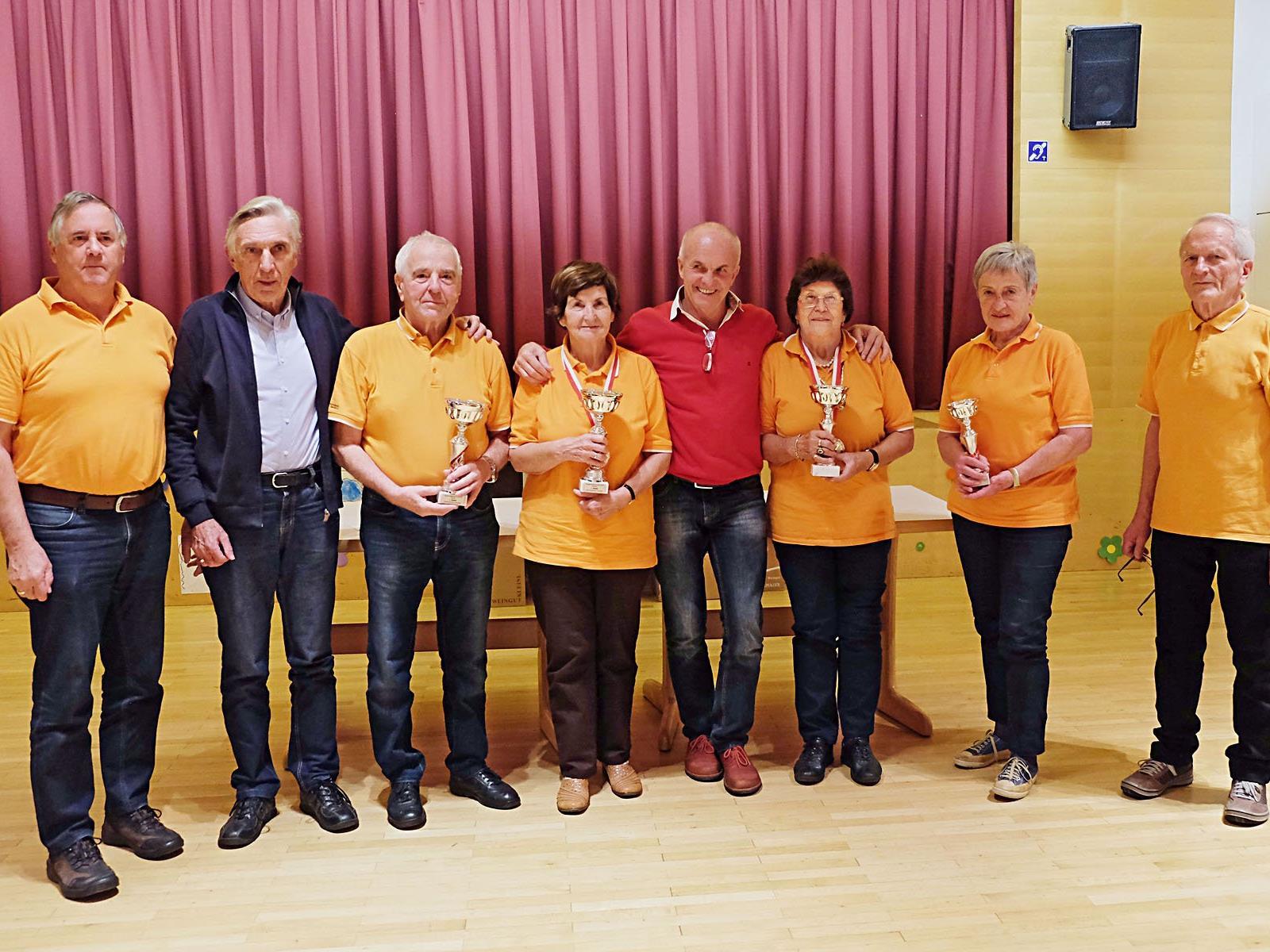 Die Sieger und die Organisatoren freuten sich über den erfolgreichen Verlauf der Meisterschaft