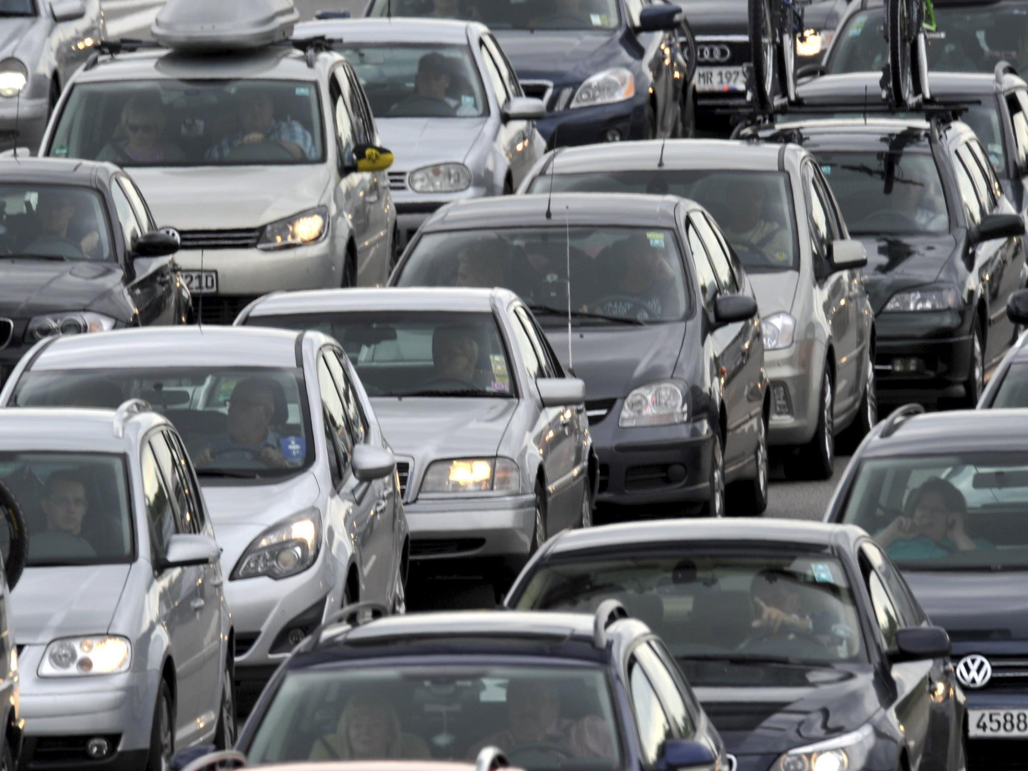 Auf der A2 kam es am Montag bei Vösendorf zu einem Unfall mit sieben beteiligten PKW