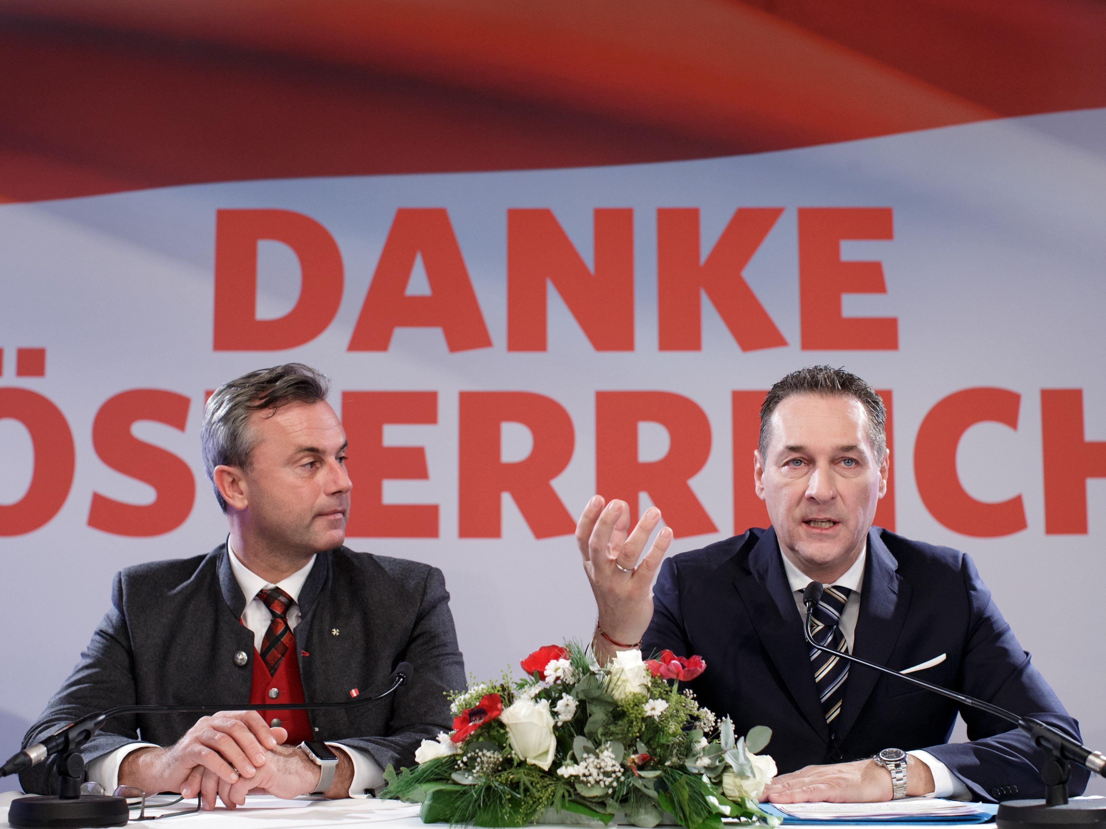 Norbert Hofer (l.) will in sechs Jahren erneut zur BP-Wahl antreten.