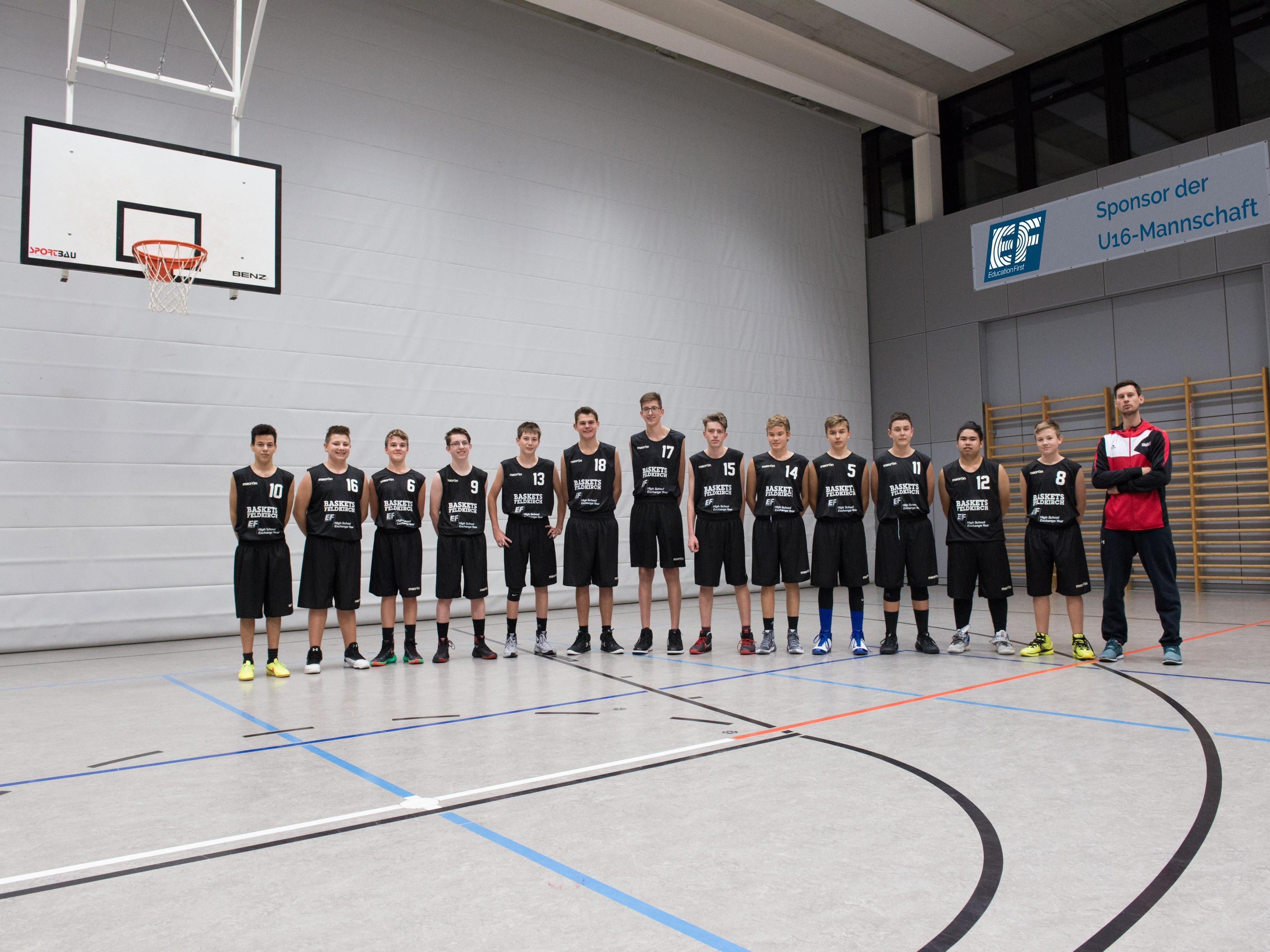 """Die""""EF High School Exchange Year"""" U16-Mannschaft der Eisenstein Baskets Feldkirch."""