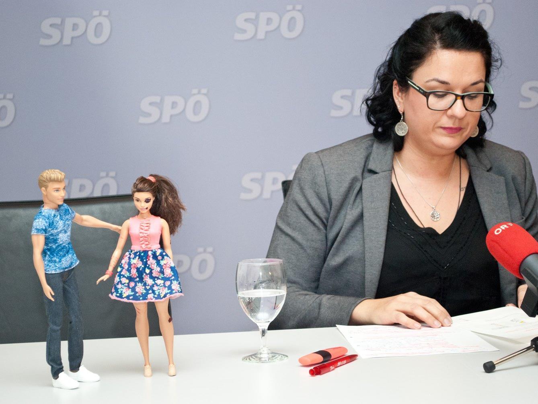 Die Vorarlberger SPÖ um die Landesfrauenvorsitzende Veronika Keck will aufzeigen, wie sich Frauen vor Gewalt schützen können..
