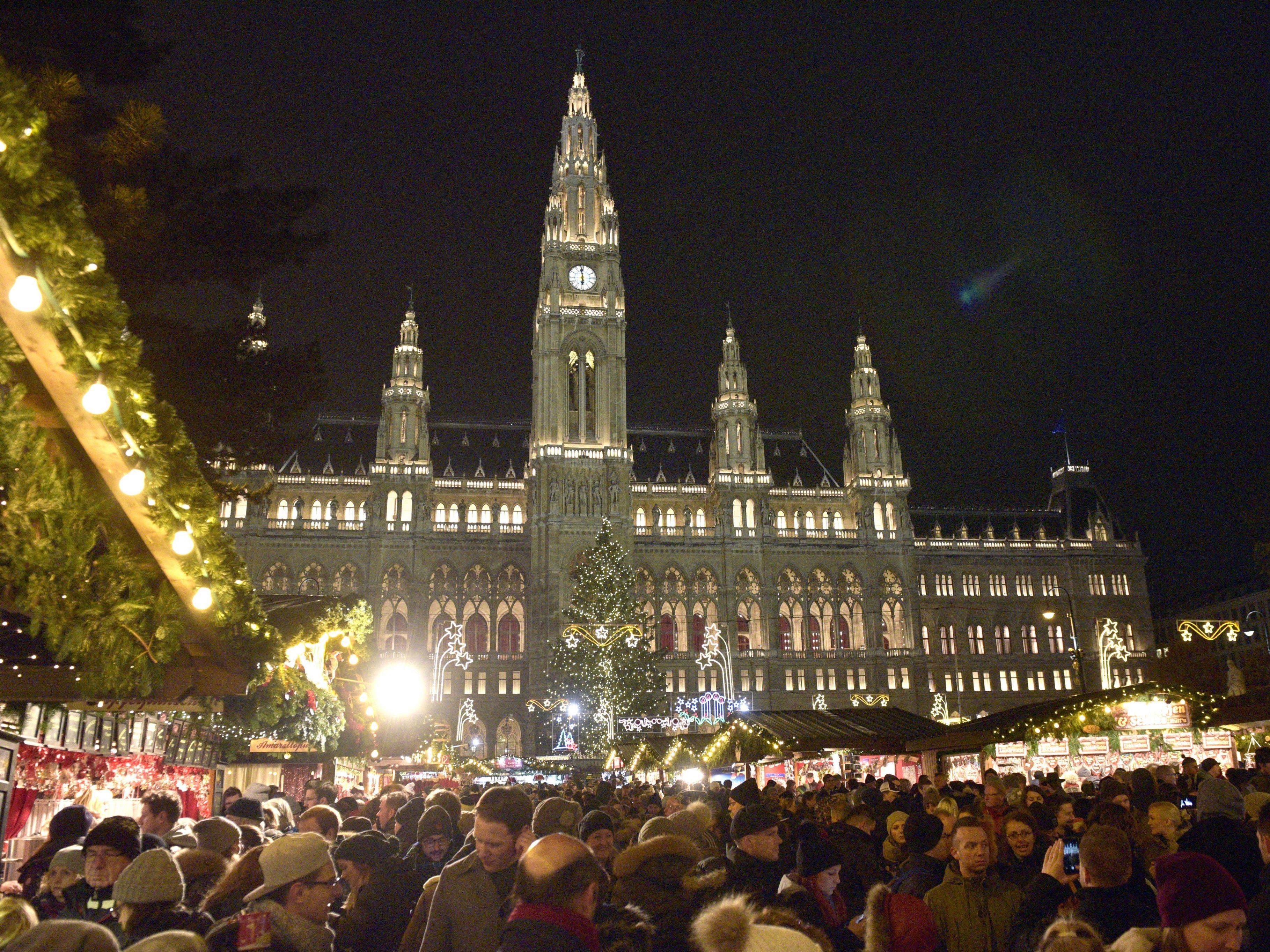 Nach einem Besuch beim Christkindlmarkt auf dem Wiener Rathausplatz kam es zu dem tödlichen Busunglück