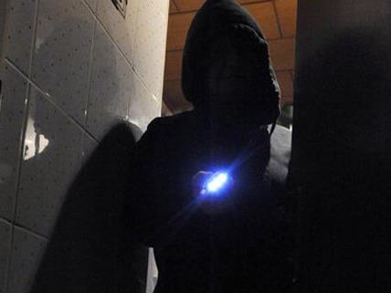 Ein 34-jähriger fand Einbrecherinnen bei sich daheim vor