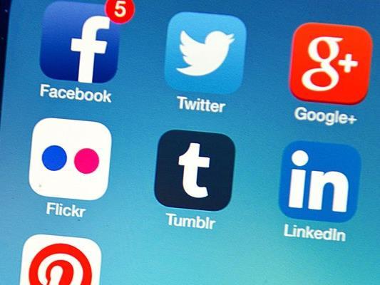 Im Internet verbreiteten sich zuletzt zunehmend Fake News. Soziale Netzwerke wie Facebook standen deswegen in der Kritik.
