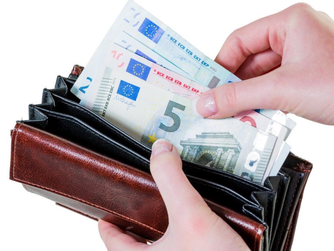 Als Niedriglohnempfänger gilt, wer zwei Drittel oder weniger des nationalen Medianeinkommens verdient.