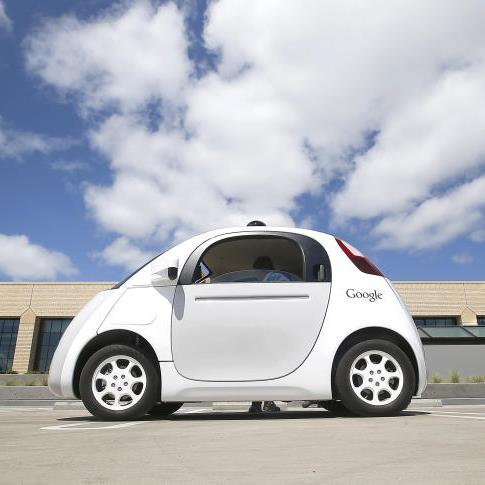 Google hatte die kleinen elektrischen Zweisitzer aus eigener Entwicklung 2014 vorgestellt