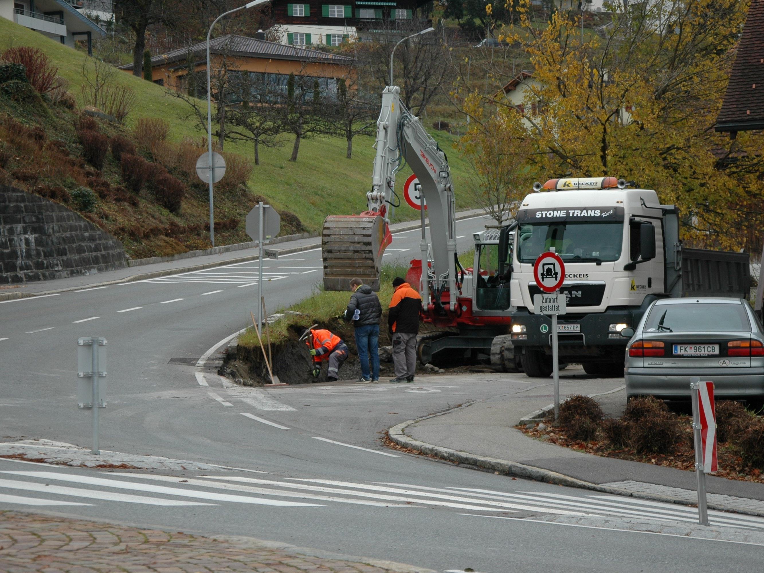 Die neue Stützmauer in Röthis wird dieser Tage fertig gestellt
