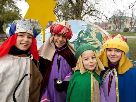 Die Sternsinger sammeln um den Jahreswechsel wieder in ganz Österreich Spenden.
