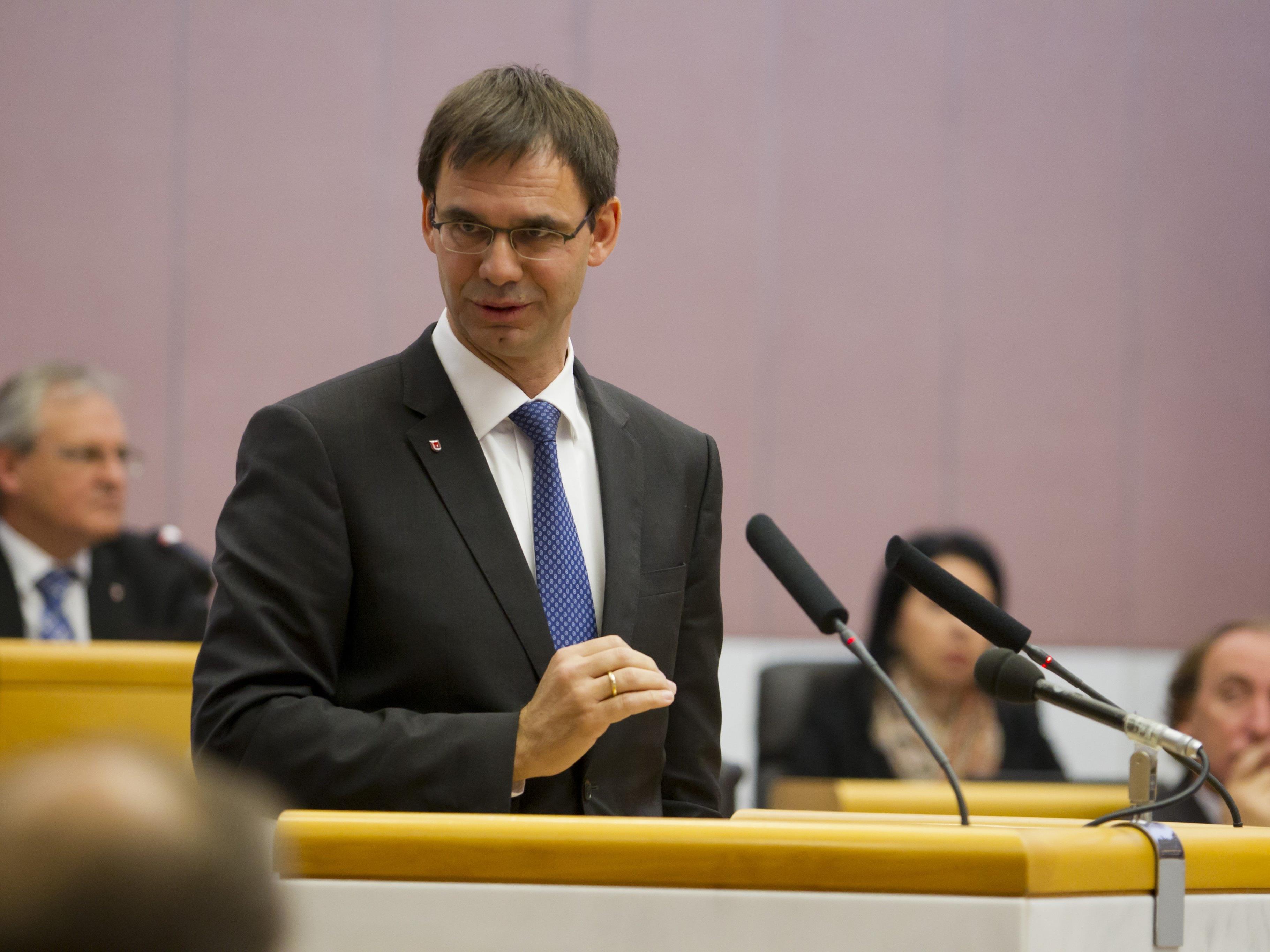 Markus Wallner unterstützt den Kurs von Parteichef Mitterlehner, der sich deutlicher von der FPÖ abgrenzen will.
