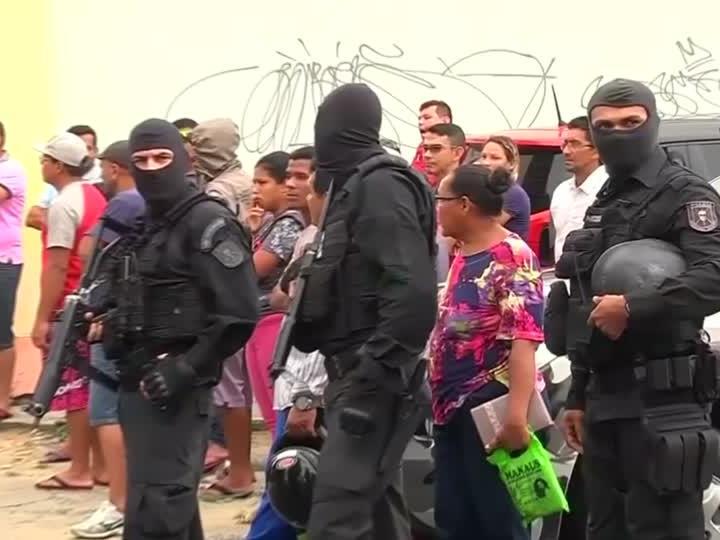 Wegen eines Bandenkrieges sind in der vergangenen Woche in mehreren brasilianischen Haftanstalten fast 100 Insassen getötet worden.