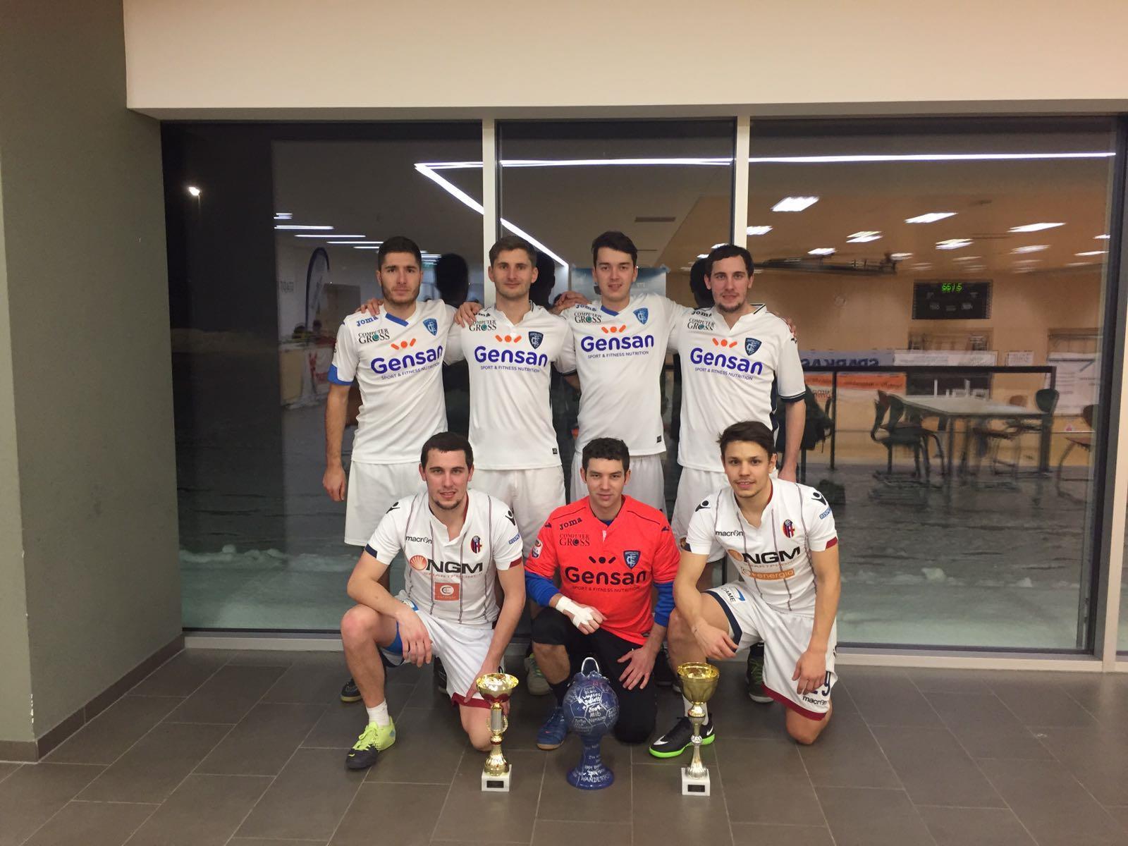 """Beim 18. Hallenturnier des Fußballclubs Tosters 99 holten die """"Hobbits"""" von Blau-Weiß Feldkirch den ersten Platz."""