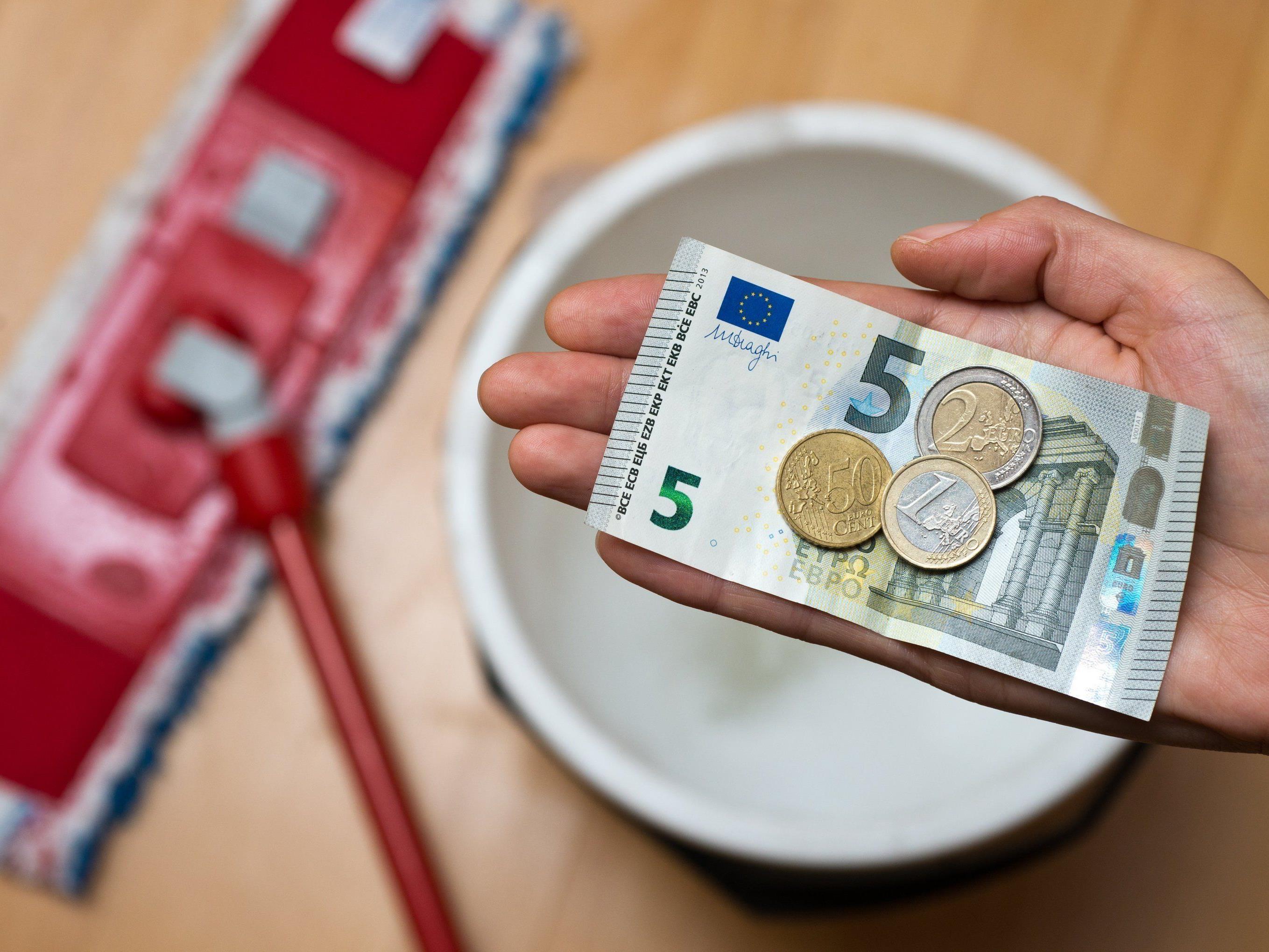 Ein Mindestlohn von 1.500 Euro brutto scheint nun auch für die Gewerkschaft tragbar zu sein.