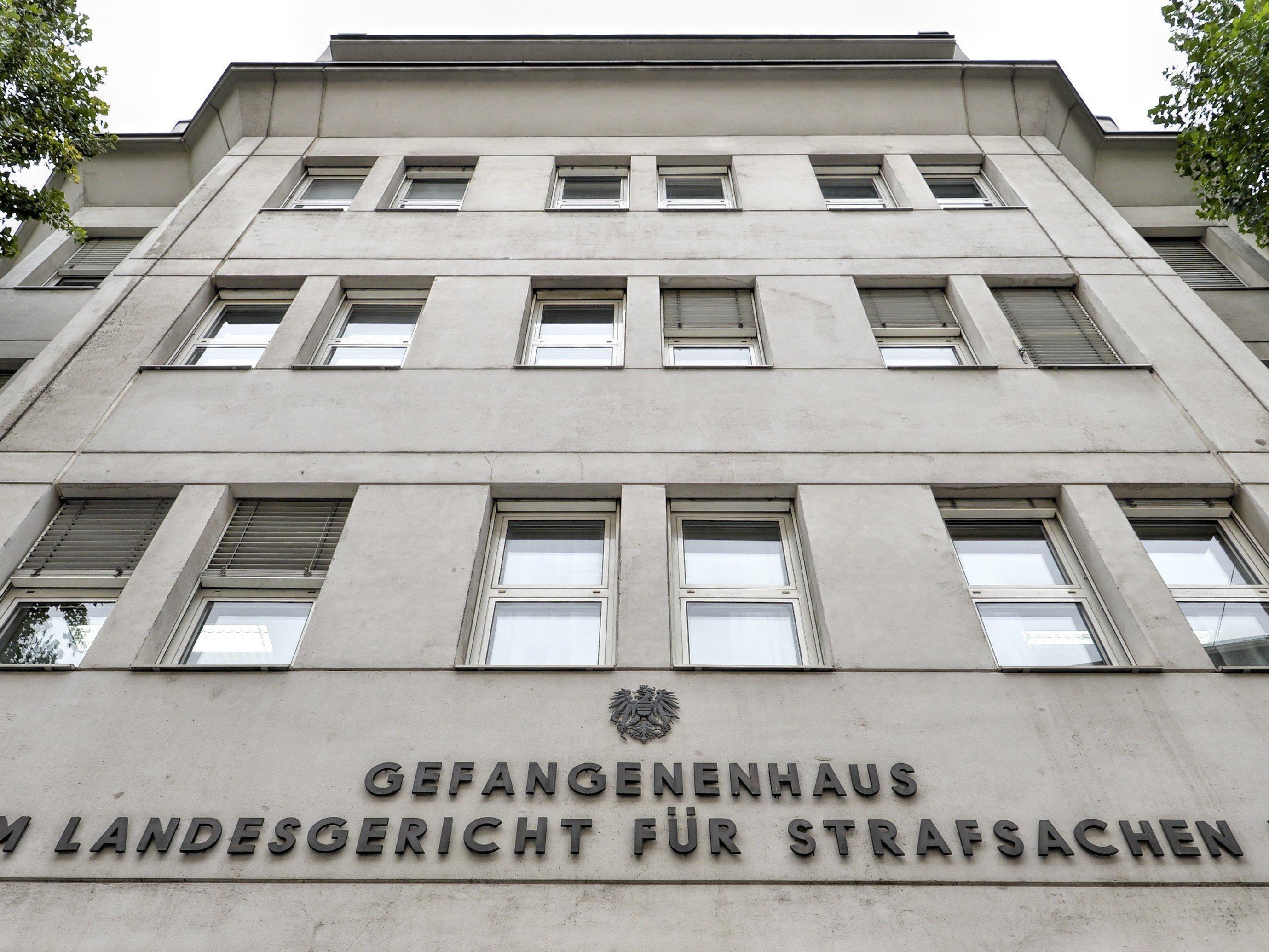 Der Terrorverdächtige wird in die Justizanstalt Josefstadt eingeliefert.