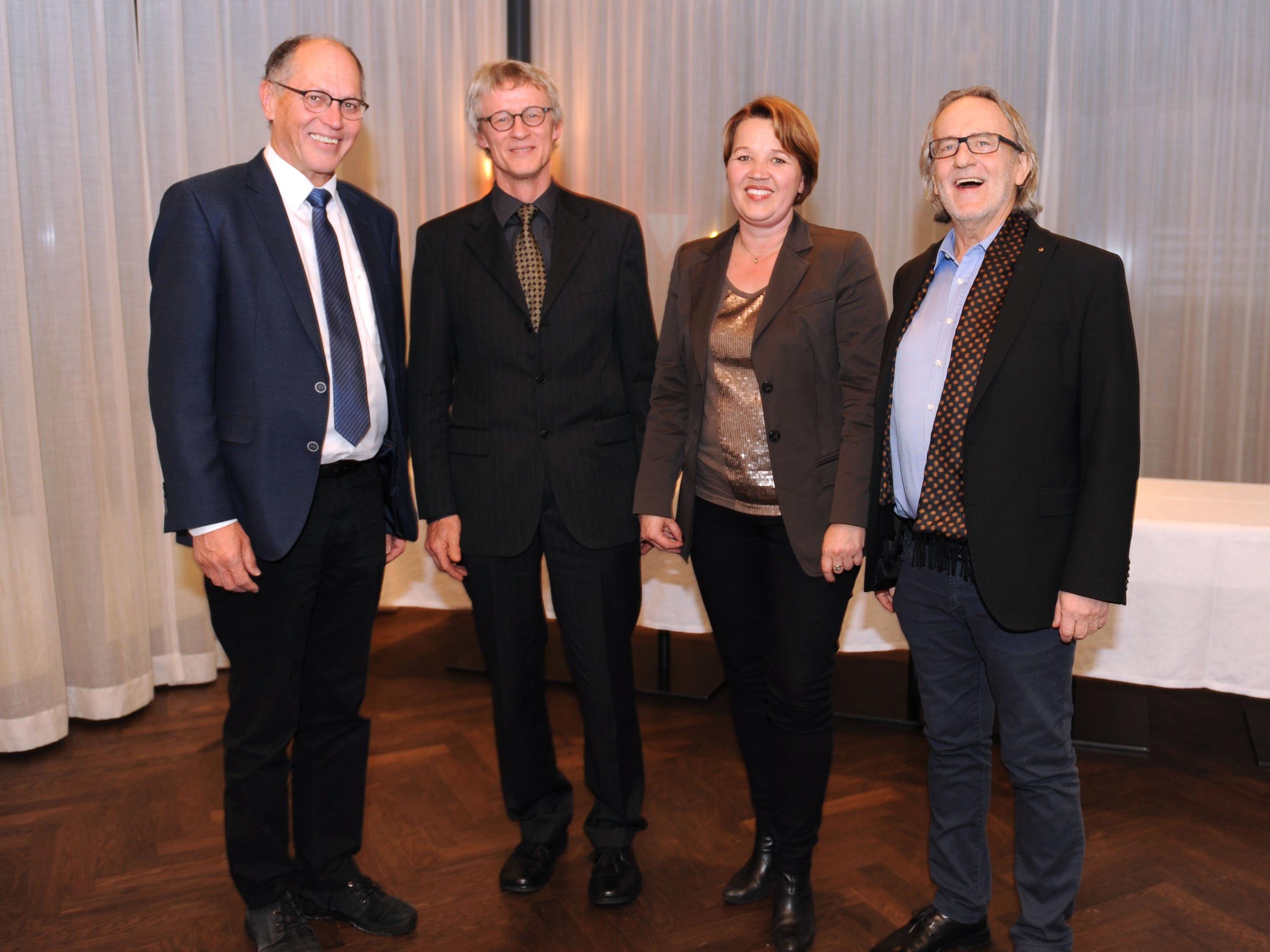 Vizebürgermeister Martin Ruepp, Prim. Dr. Bernd Ausserer, Bürgermeisterin Dipl.-Vw Andrea Kaufmann und Kurt Fenkart