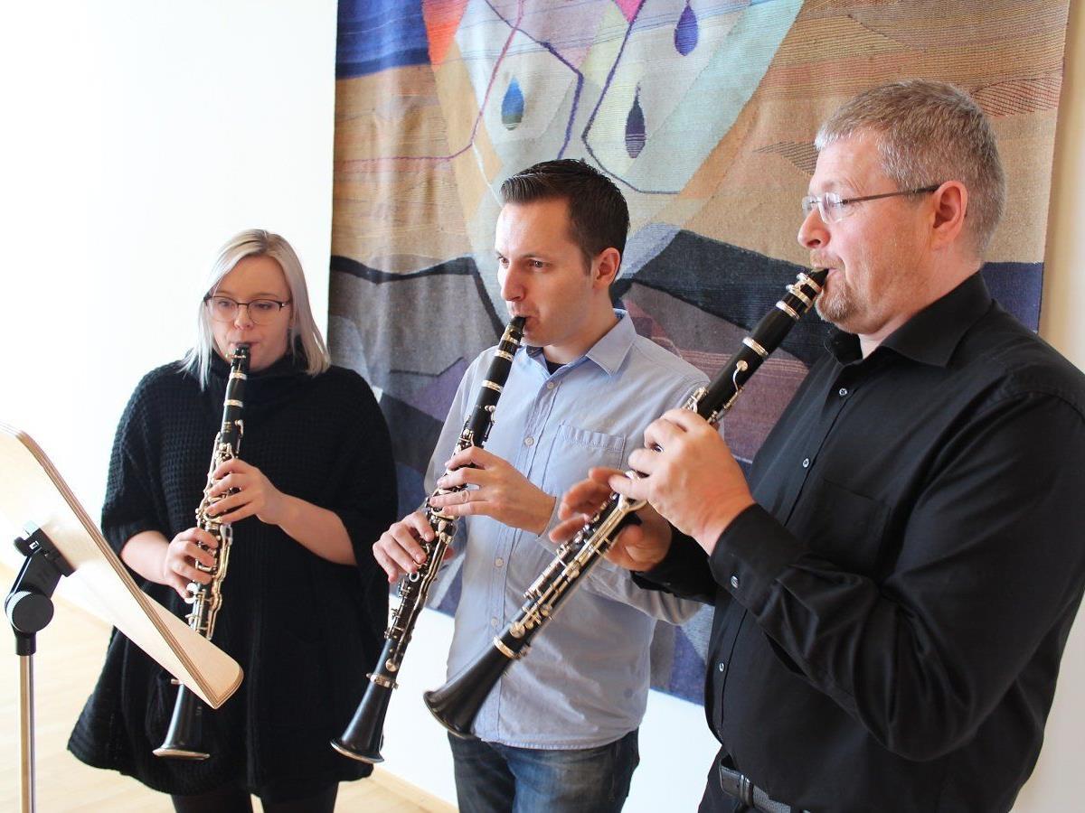 Klarinettentrio: Lina Böhler, Markus Moosbrugger und Markus Böhler.