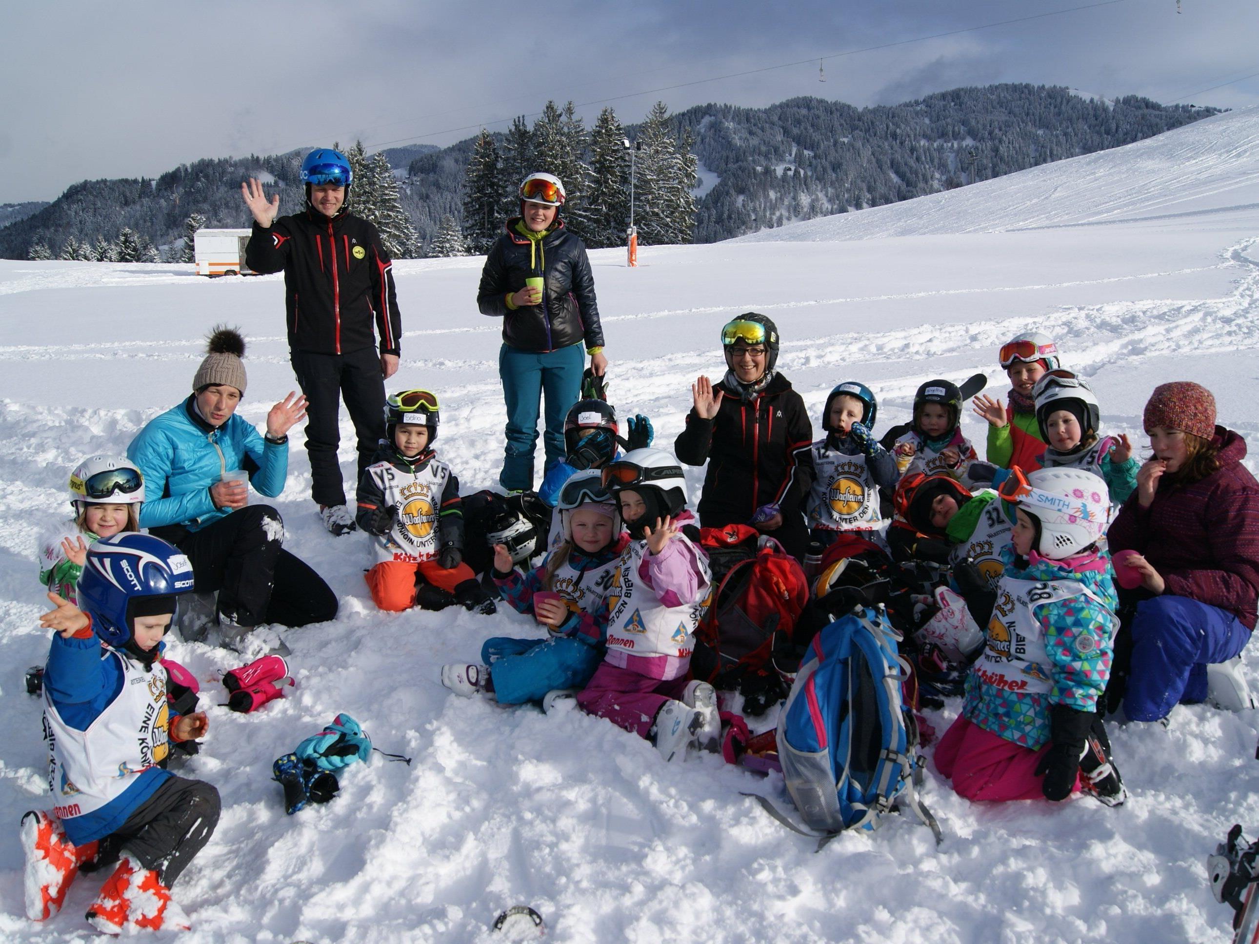 Die jungen Pistenflitzer waren begeistert vom ersten Schnee