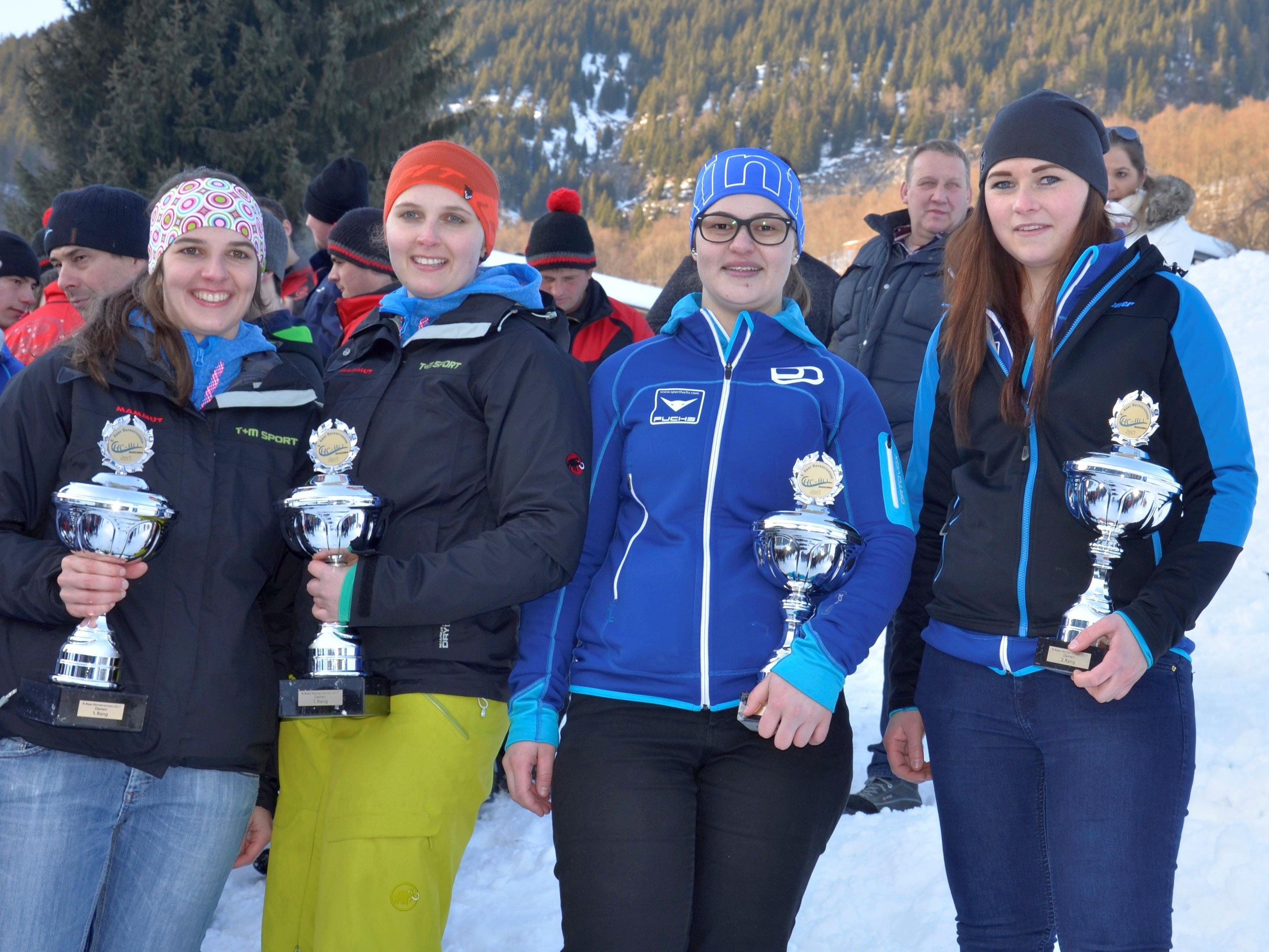 Christiane und Sabrina Waibel, MagdalenaGasser und Barbara Feurstein die dominierenden Damen