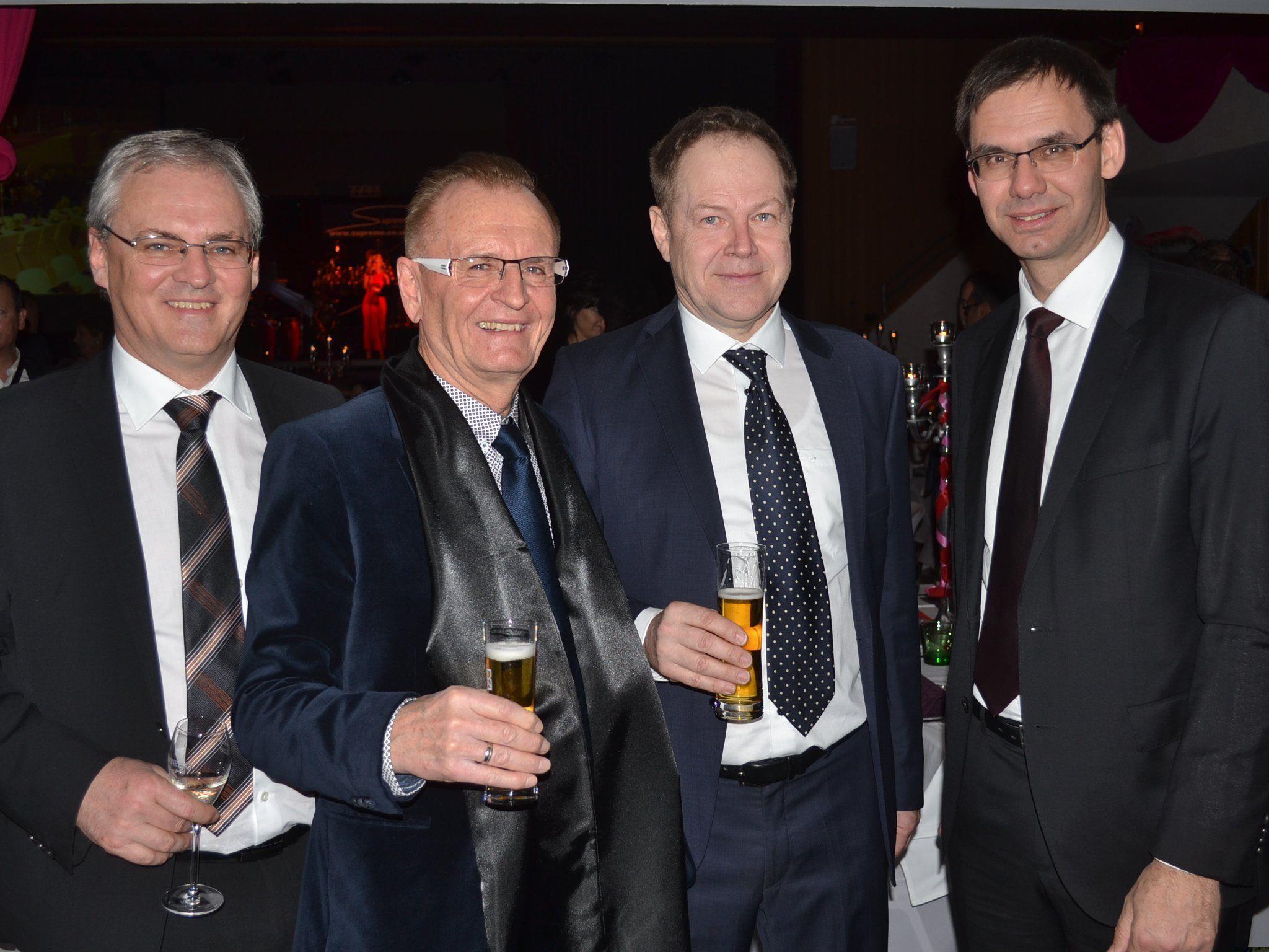 Auf einen schönen Abend: Landtagspräsident Harald Sonderegger, Hans-Peter Feuerstein, Egon Kasseroler sowie Landeshauptmann Markus Wallner.