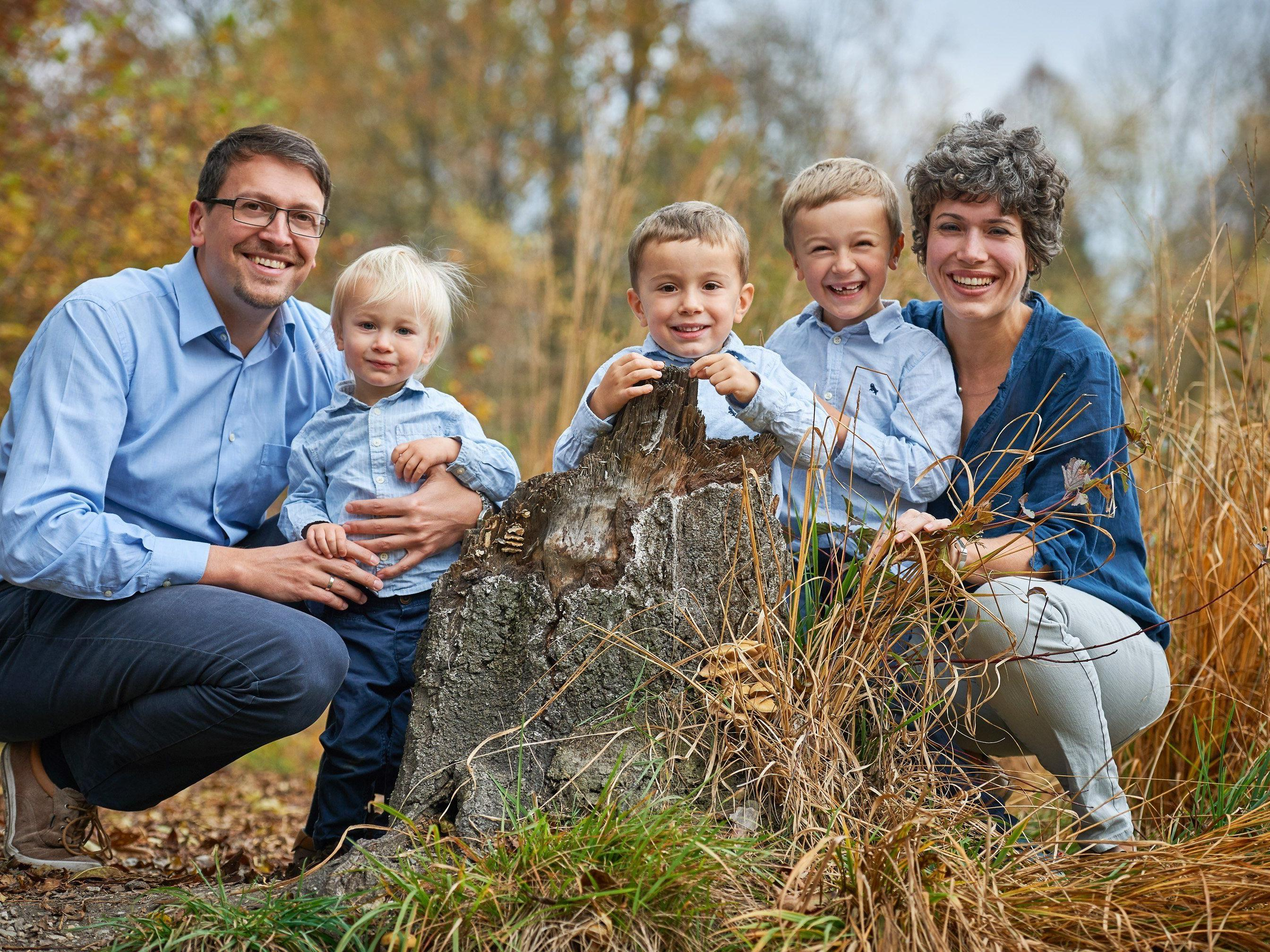 Der dreifachen Mutter Eva-Maria Fitz (r.) geht es nach der Stammzellenspende wieder besser.