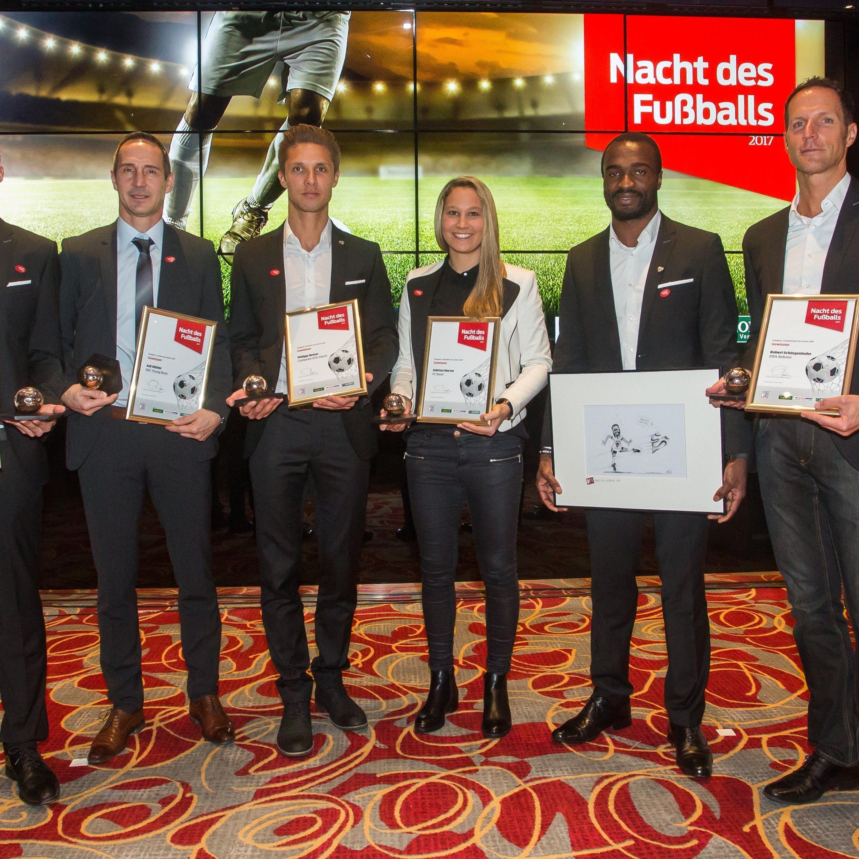 Die Sieger freuten sich über ihre Auszeichnungen, v.l.: Lukas Jäger, Adi Hütter, Philipp Netzer, Sabrina Horvath, Louis Ngwat-Mahop und Robert Schörgenhofer.
