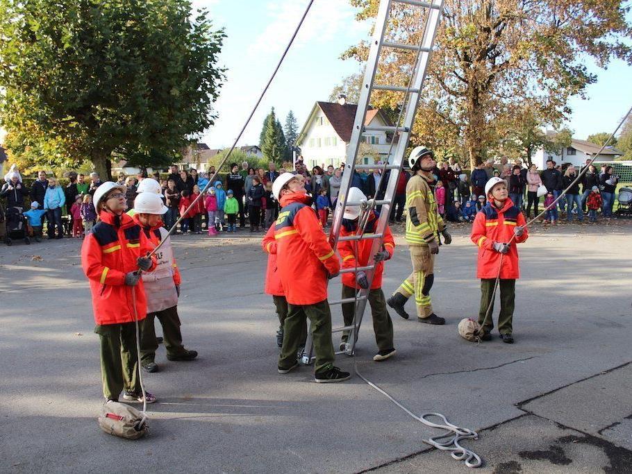 Feuerwehrjugend Wolfurt bei der Schlußübung