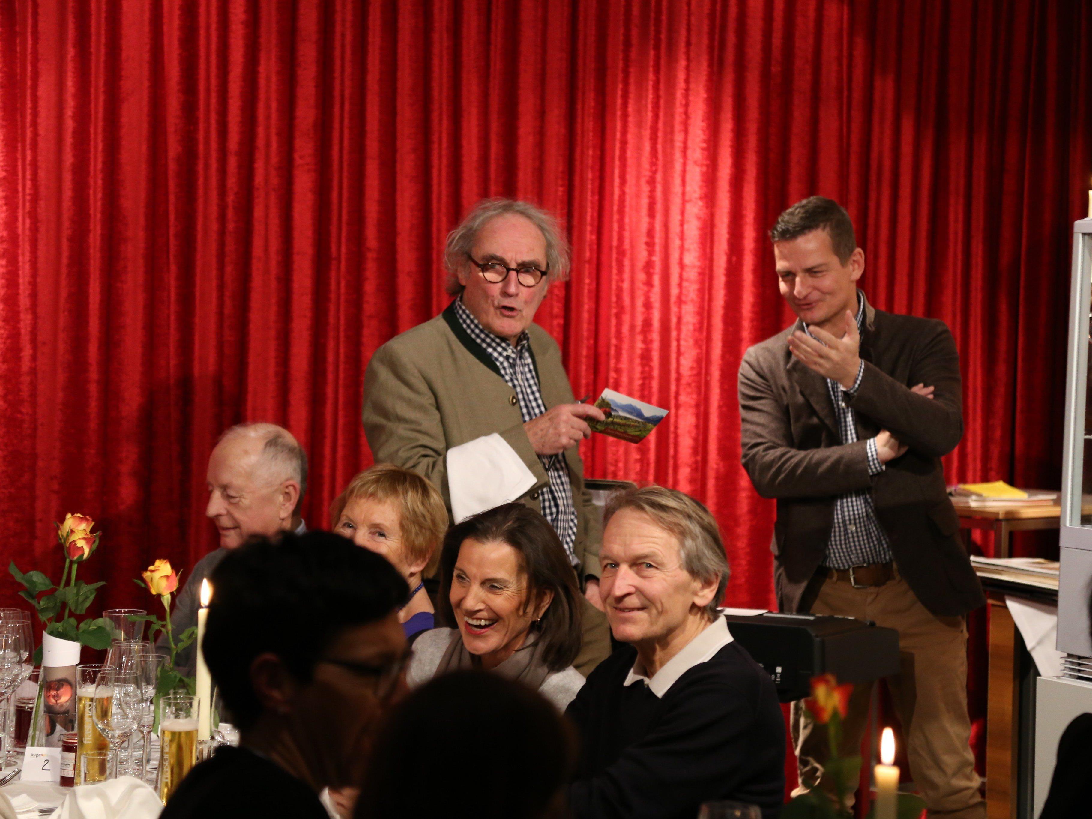 Guter Wein und Unterhaltung – dafür sorgten Winzer Gert Markowski (r.) und Schauspieler Fritz Peter Schmidle (l.).