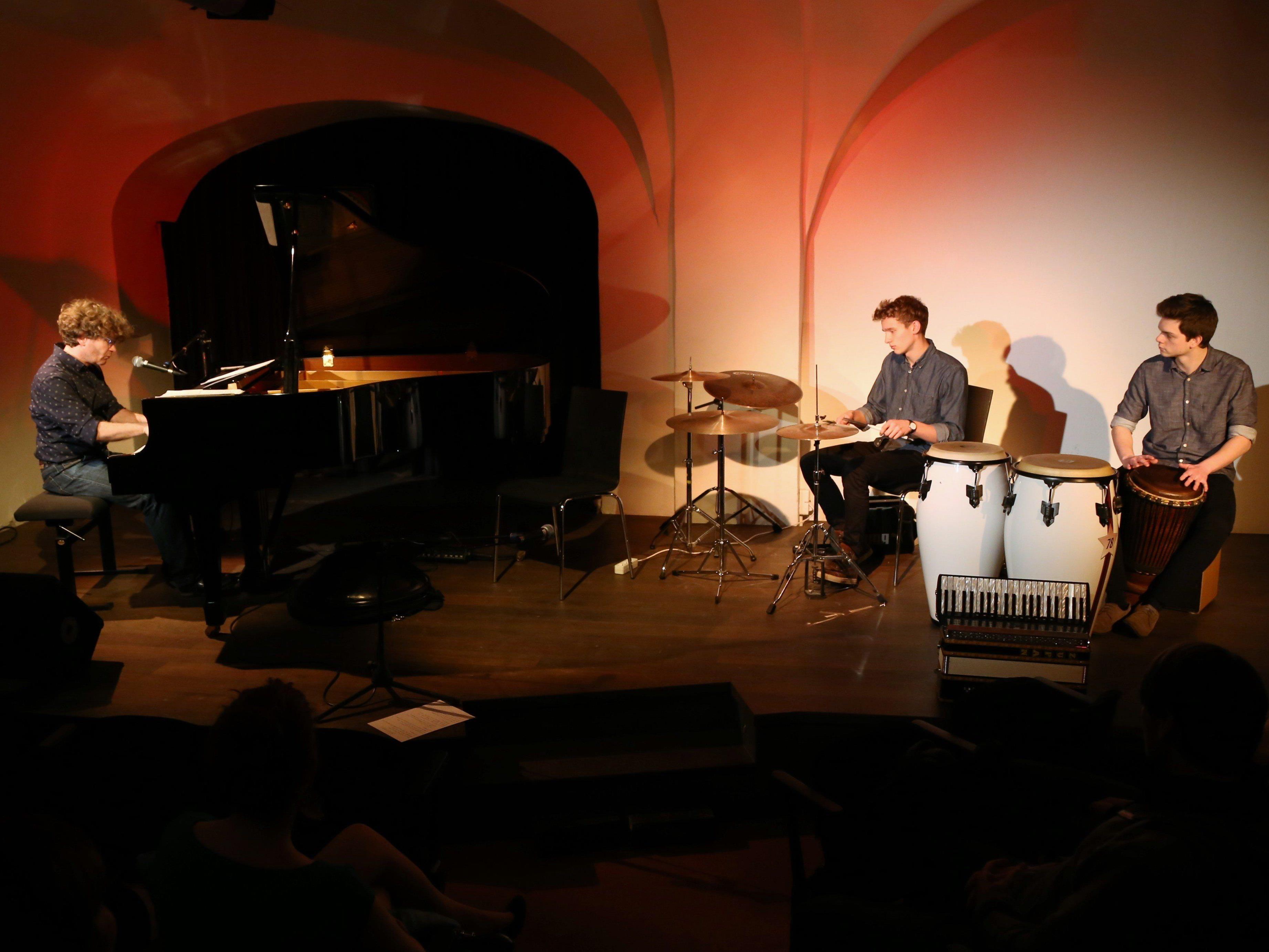 Martin Lindenthal bot ein vielfältiges Musikerlebnis am Saumarkt-Theater.
