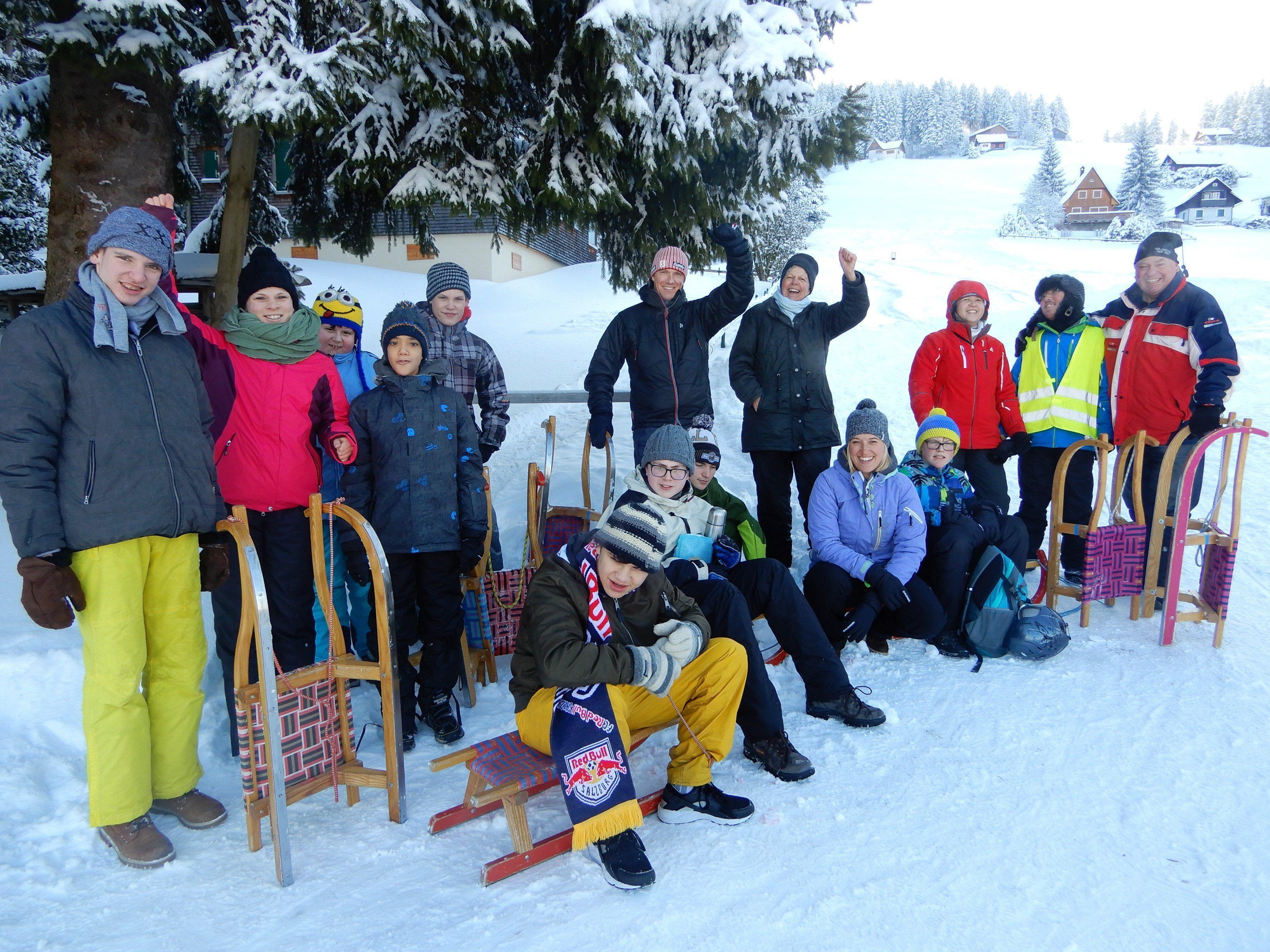 Das bisschen Kälte tat dem Rodelspaß keinen Abbruch. Die Schüler der ASO Lauterach genossen einen tollen Rodelvormittag.