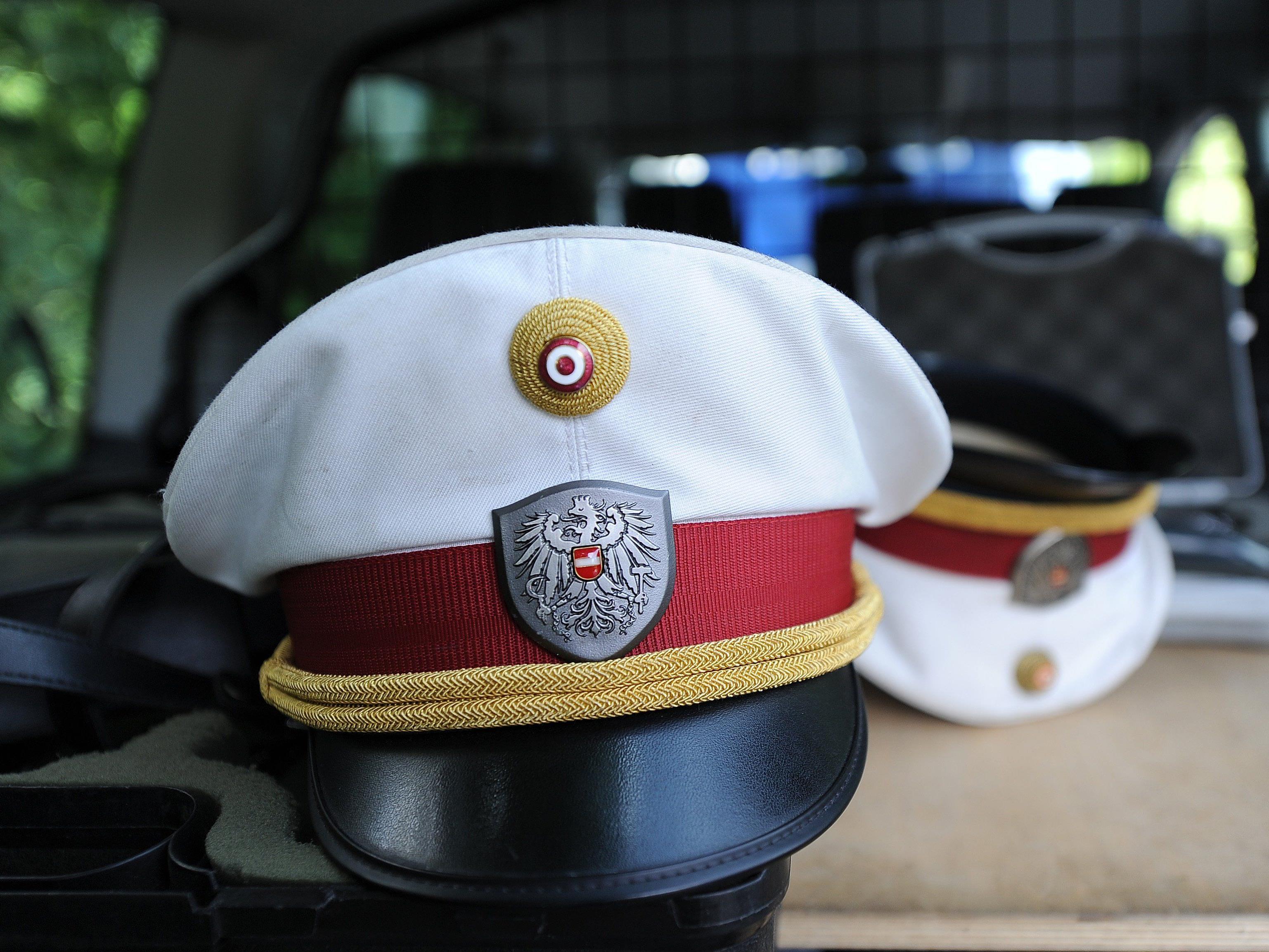 Nur Pfefferspray und viel Körperkraft seitens der Polizei konnte den 31-Jährigen stoppen.