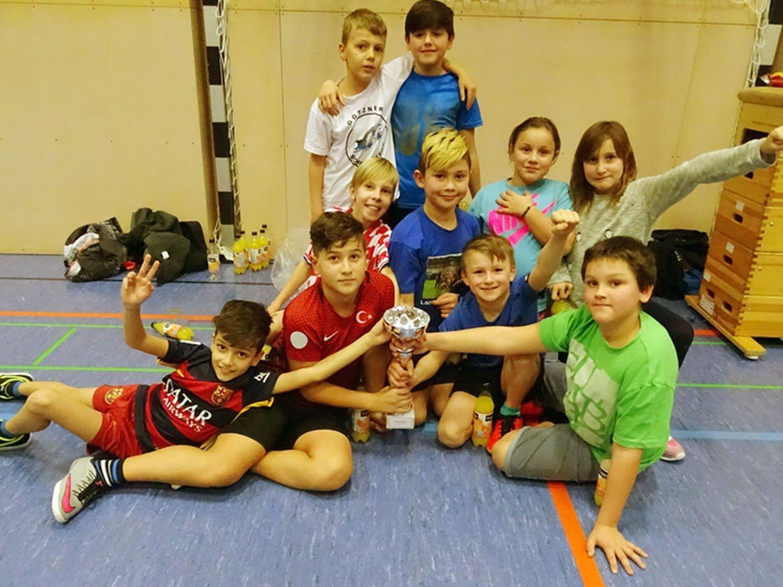 Das Team der 4d aus der Volksschule Markt wurde klarer Sieger beim VS-Hallenfußballturnier.