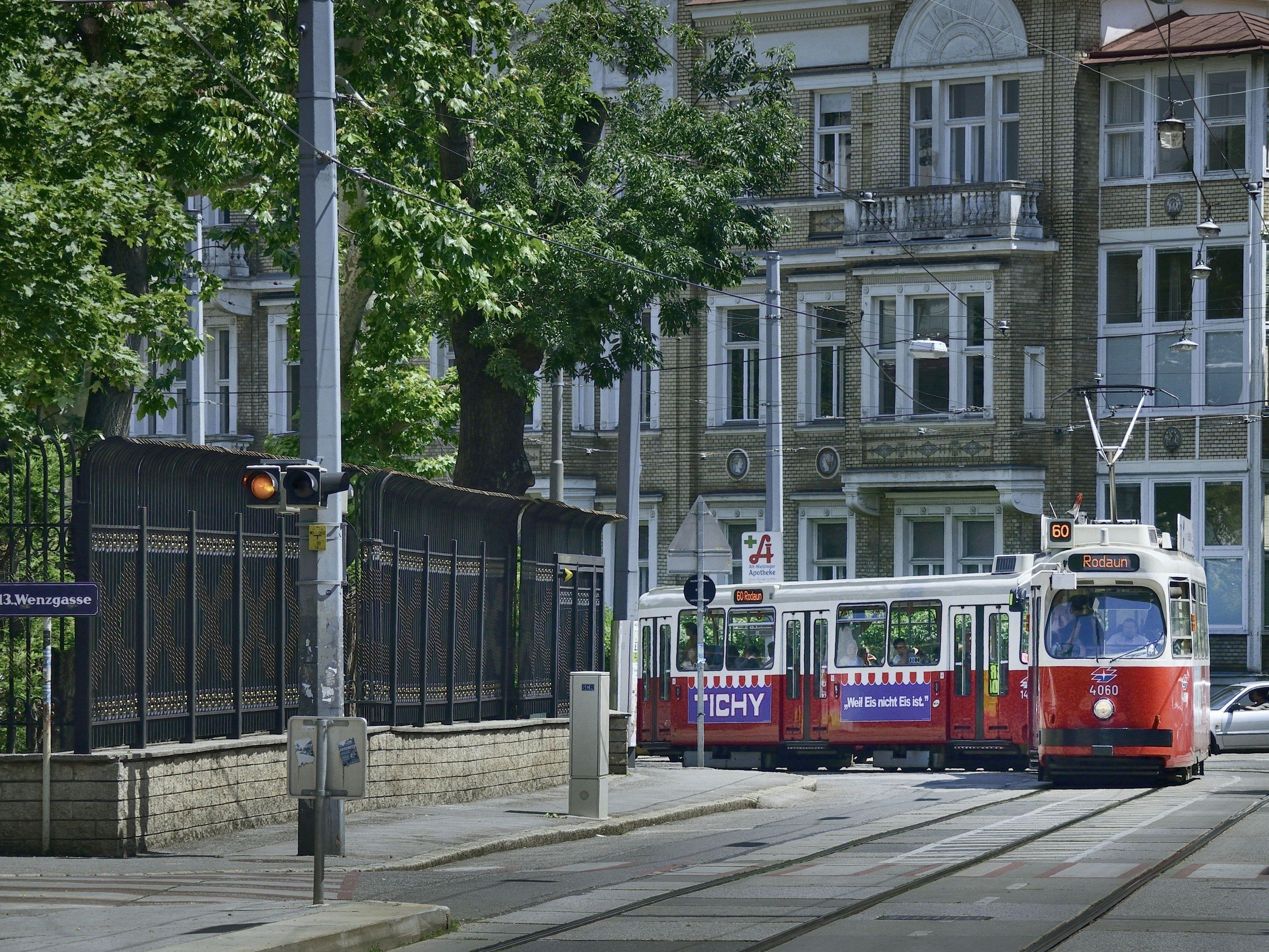 Eine Straßenbahn der Linie 60 wurde entführt