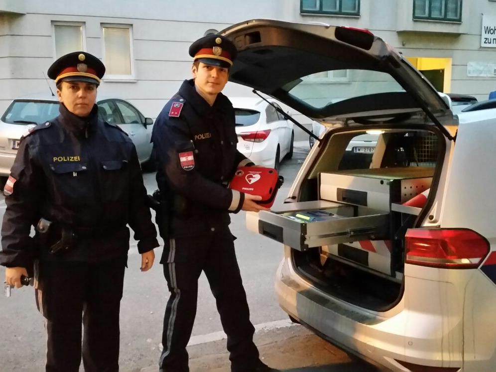 Die Polizisten in Wien sind auch für Erste-Hilfe-Maßnahmen geschult.