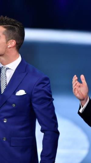 Zum vierten Mal als FIFA-Weltfußballer des Jahres ausgezeichnet