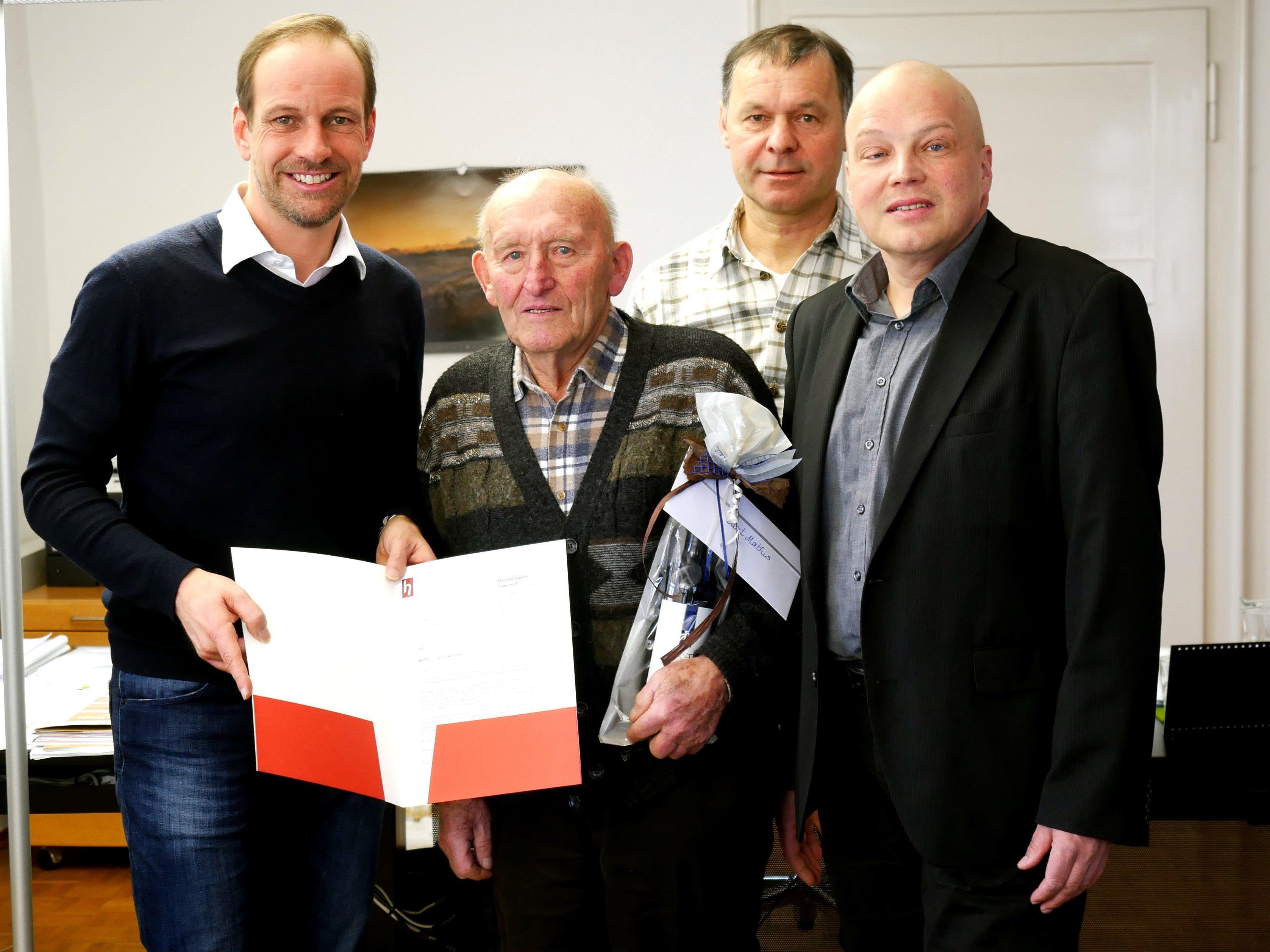 v. l. Bürgermeister Dieter Egger, Kurt Mathis, Helmut Kathan, Stadtrat Günter Mathis