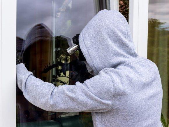 Eine international tätige Einbrecherbande konnte von der Polizei festgenommen worden. Sie wir für rund 100 Einbrüche in Tirol verantwortlich gemacht.