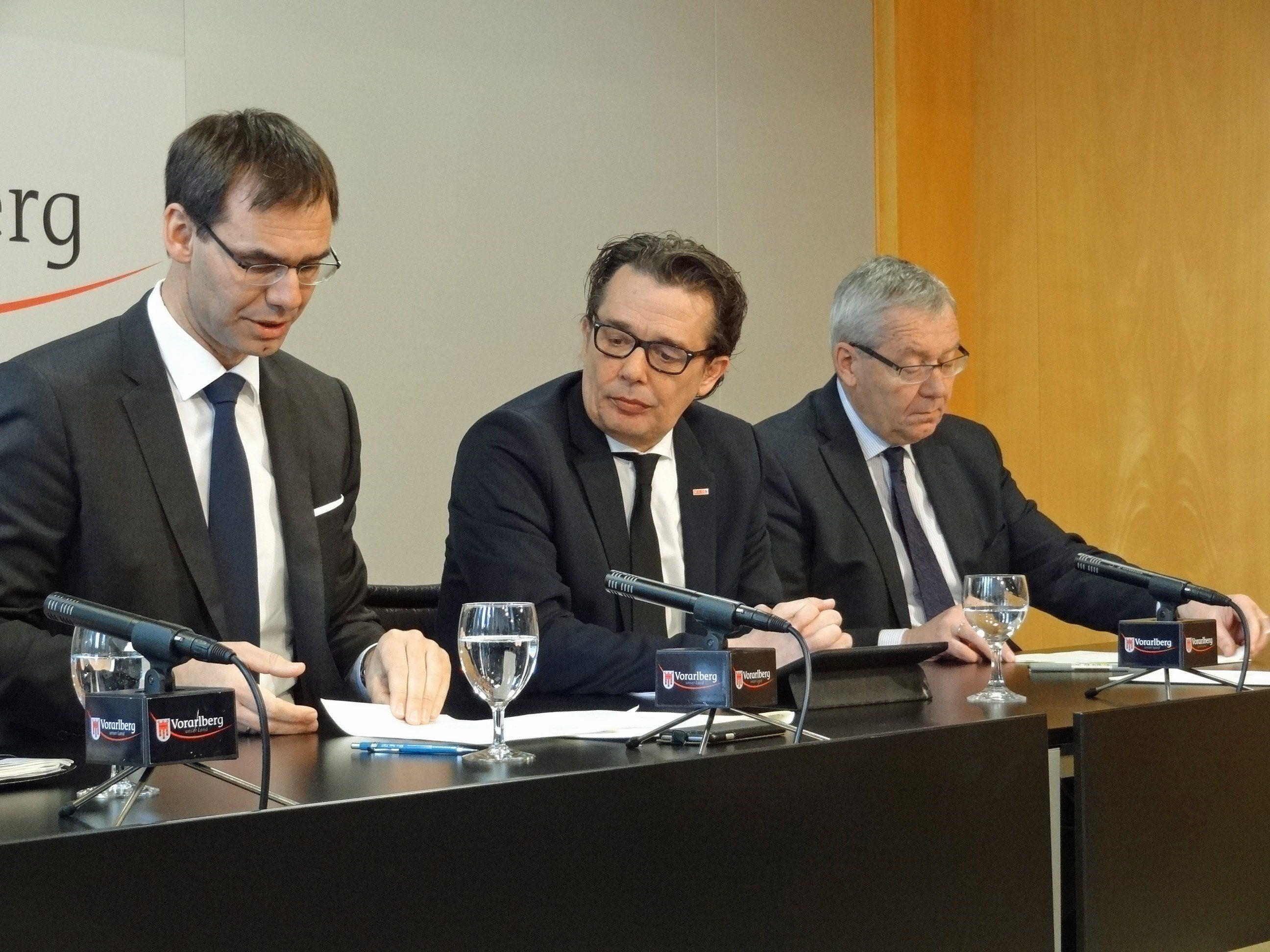 LH Wallner, WKV-Präsident Metzler und LSth. Rüdisser präsentierten die wirtschaftspolitischen Schwerpunkte 2017