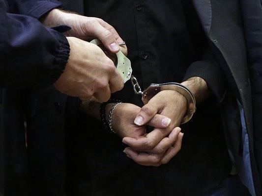 Der 16-jährige mutmaßliche Dealer wurde festgenommen.