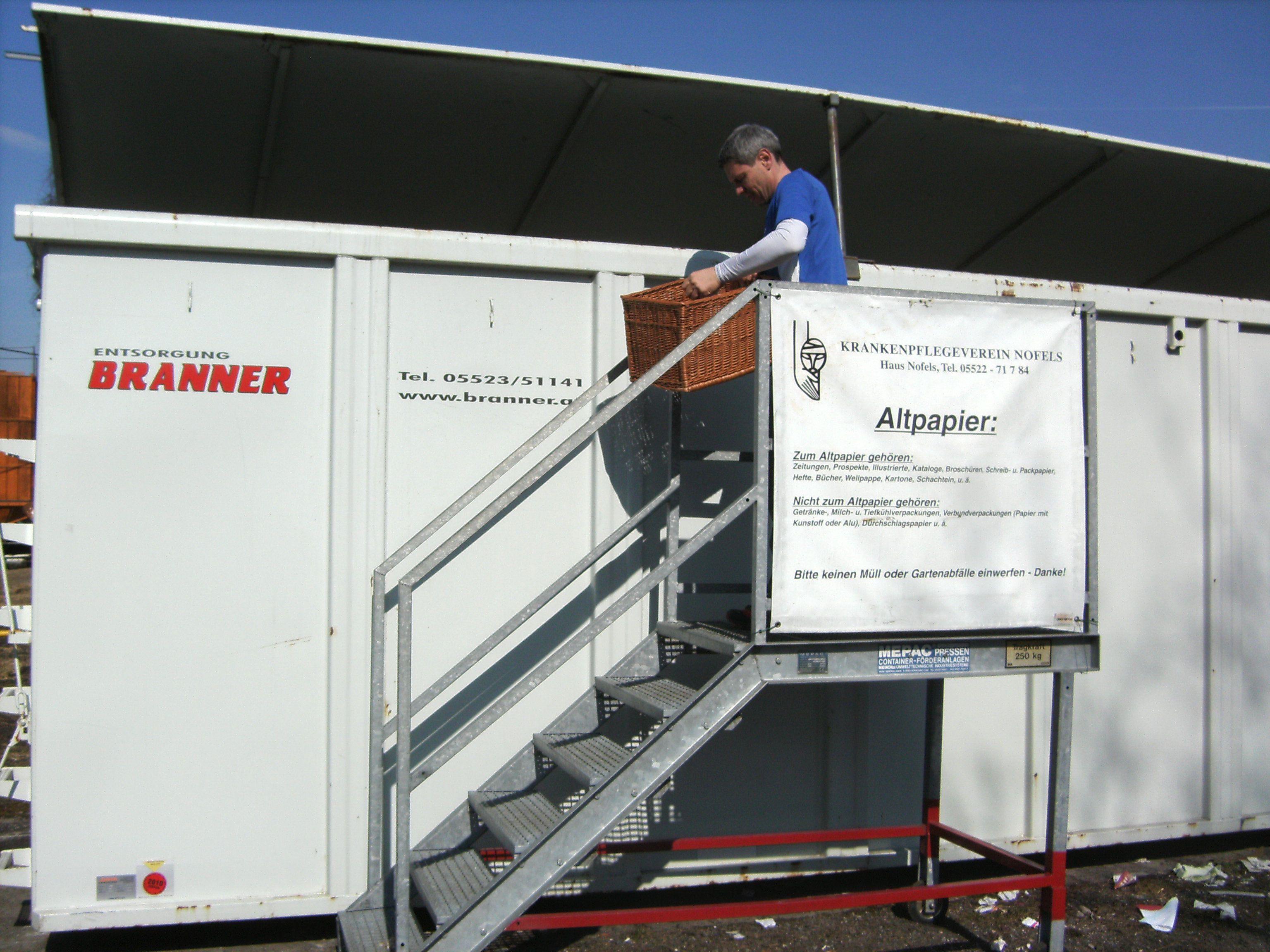 Der riesige Container, welcher dem KPV Nofels für die Altpapiersammlung zur Verfügung gestellt wird.