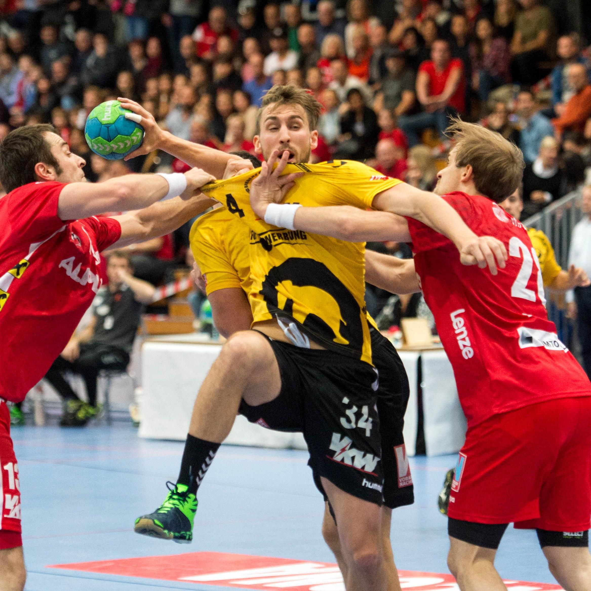 Bregenz Handball will im Derby gegen den HC Hard wieder auf Tobias Varvne (mitte) zurückgreifen.