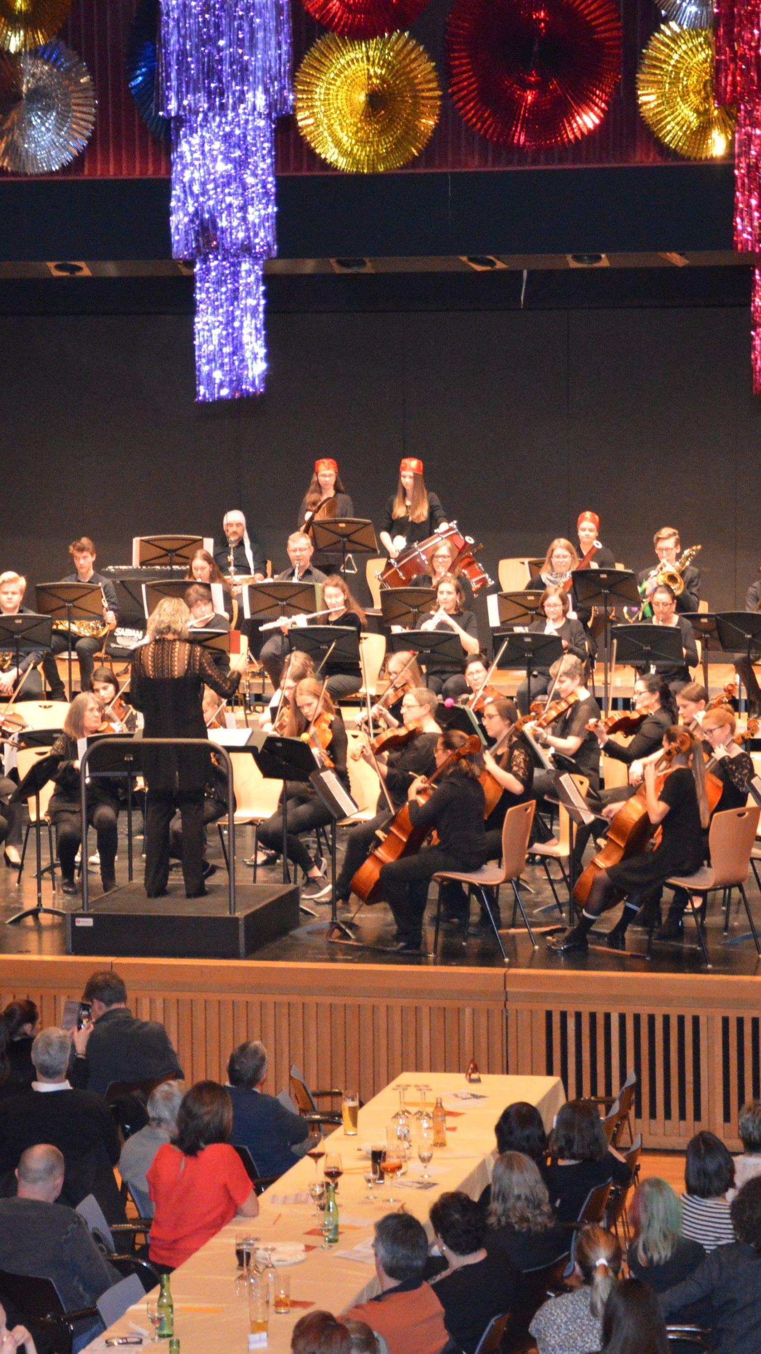 Mitreißendes Faschingskonzert der Rheintalischen Musikschule