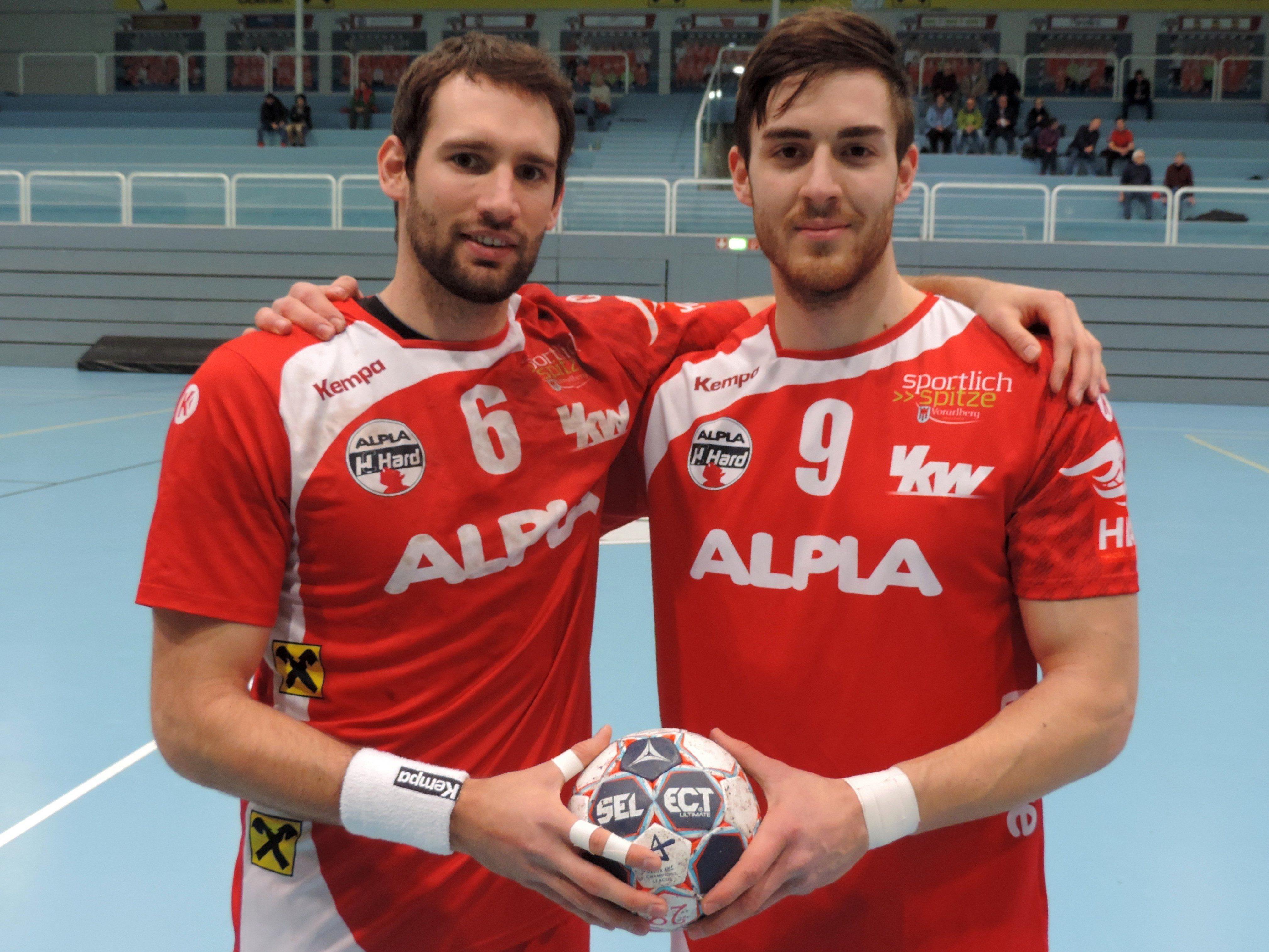 Kapitän Dominik Schmid und Boris Zivkovic feiern gegen die Wiener ihr Comeback.