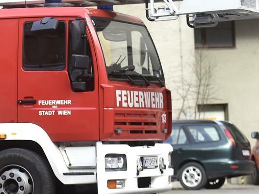 Die Feuerwehr Bludenz musste wegen eines Containerbrands ausrücken.